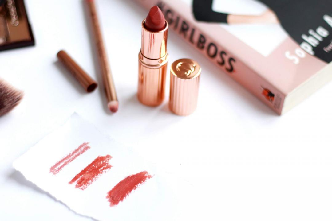 charlotte-tilbury-lip-cheat-pillow-talk-lip-pencil-stoned-rose-lipstick