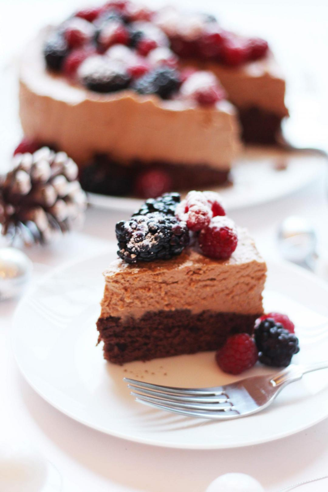 Alternative Christmas Cake.Lindt Chocolate Mousse Cake For Christmas Cake Haters