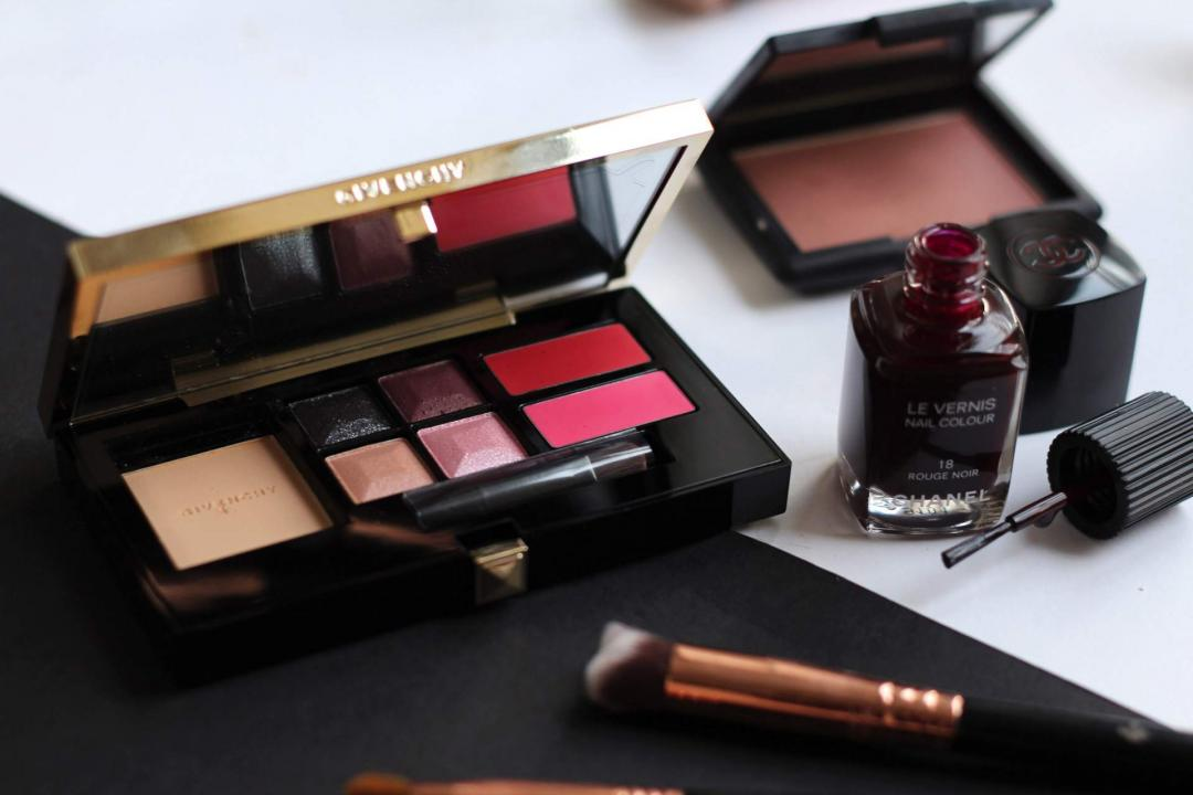new-year-makeup-givenchy-christmas-palette-chanel-rouge-noirmail-polish