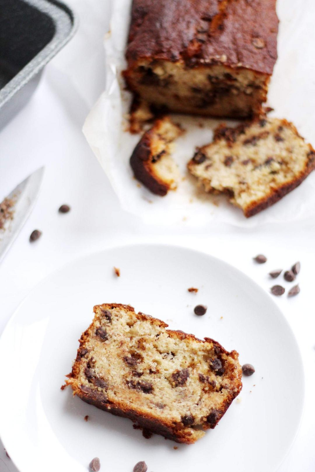 easy-chocolate-chip-banana-bread-recipe-loaf-baking-1