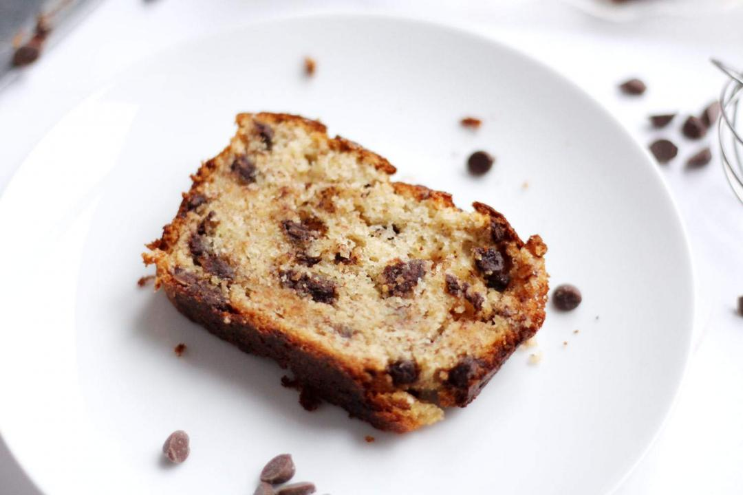 easy-chocolate-chip-banana-bread-recipe-loaf-baking-3