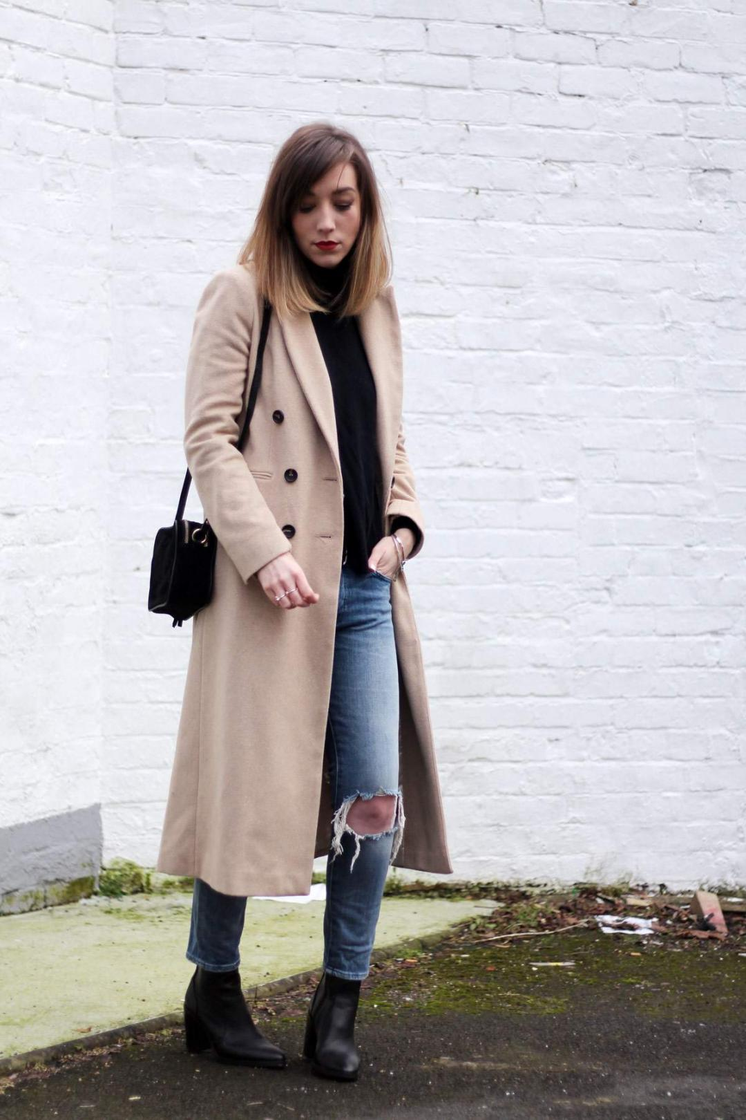 topshop-outfit-long-camel-coat-sock-boots-7-for-all-mankind-jeans-suede-bag