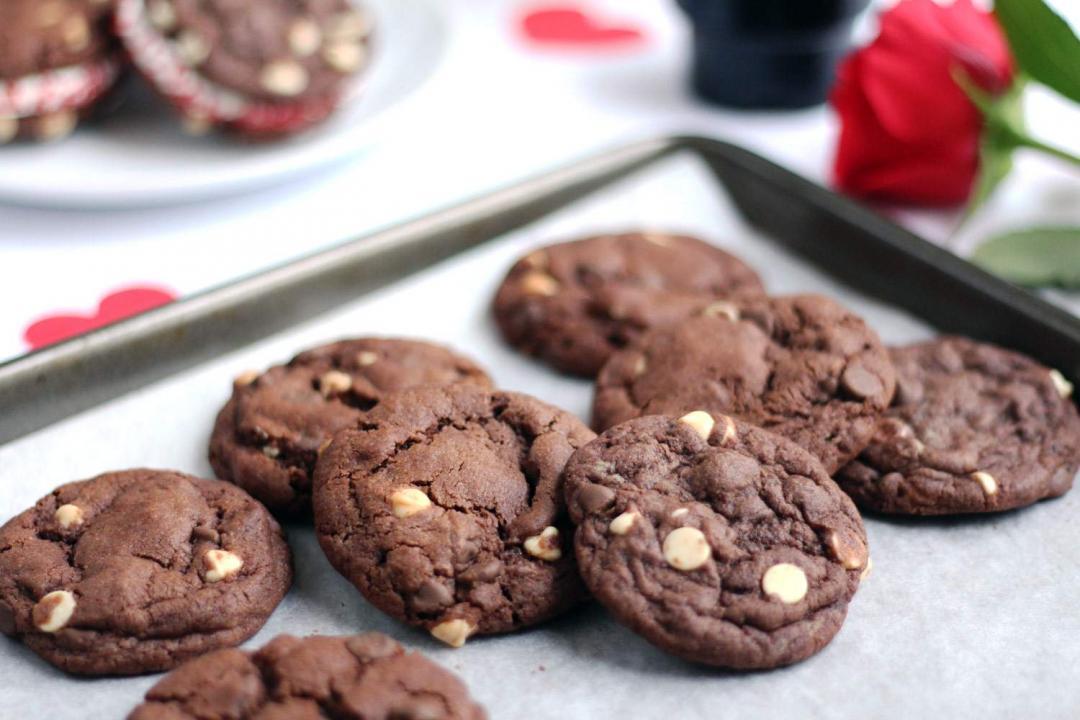 Double Chocolate Cookie Dough Sandwich Recipe Double Chocolate Chip Cookie Dough