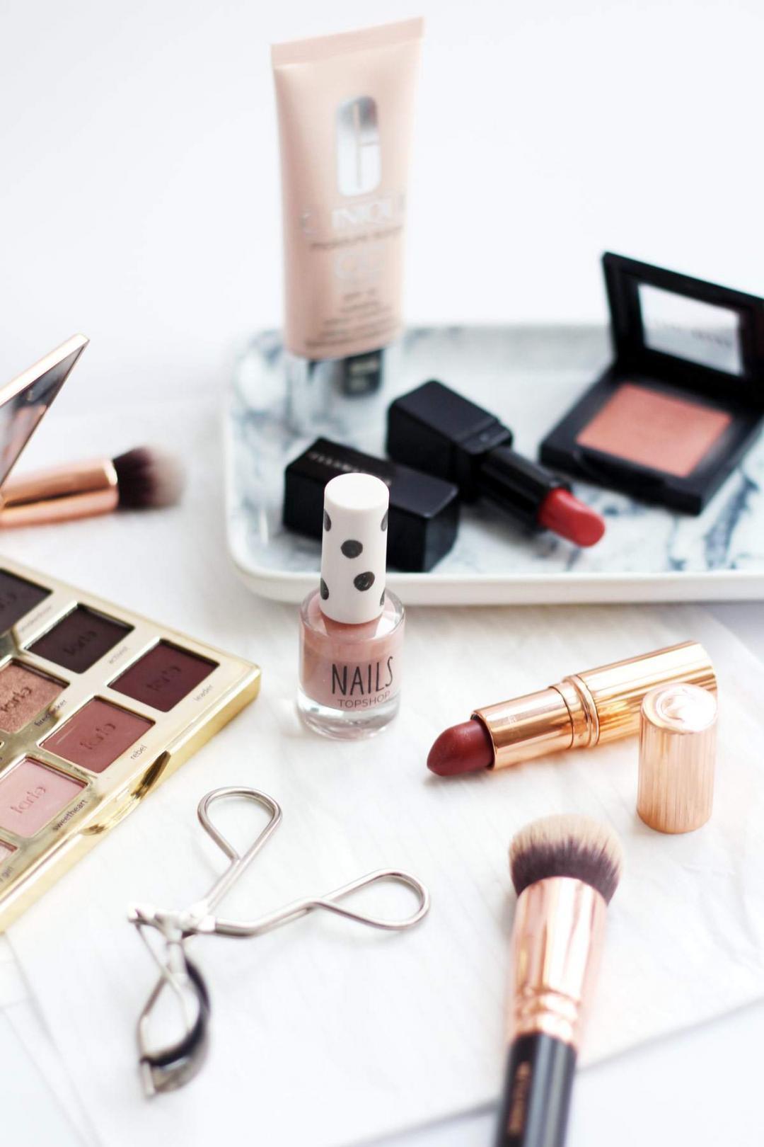 peach-makeup-charlotte-tilbury-stoned-rose-illamasqua-cherub-tartlette-palette