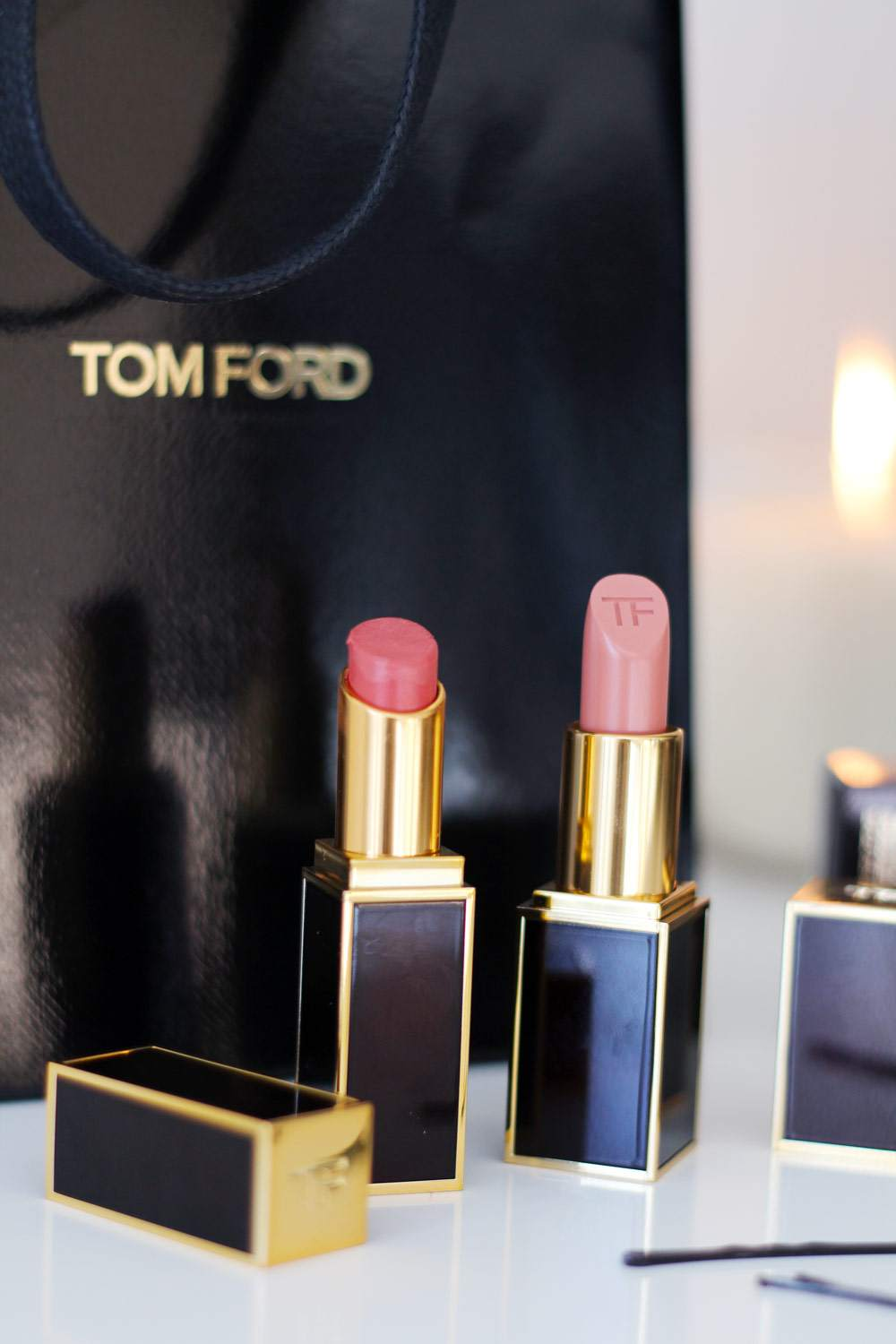 tom-ford-lipstick-nude-blush-shine-sultry-review