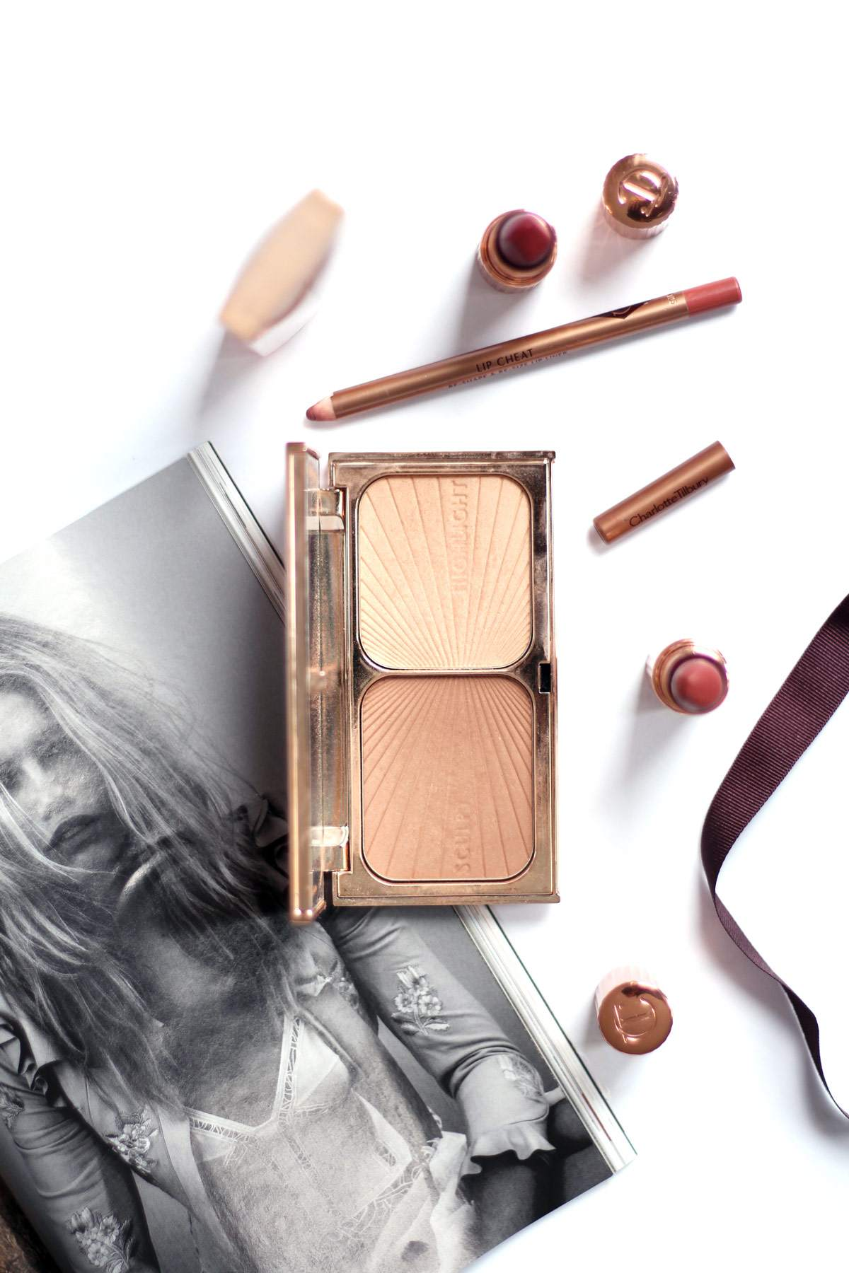 charlotte-tilbury-wonder-glow-stoned-love-walk-of-shame-lipstick-filmstar-bronze-and-glow-pillowtalk