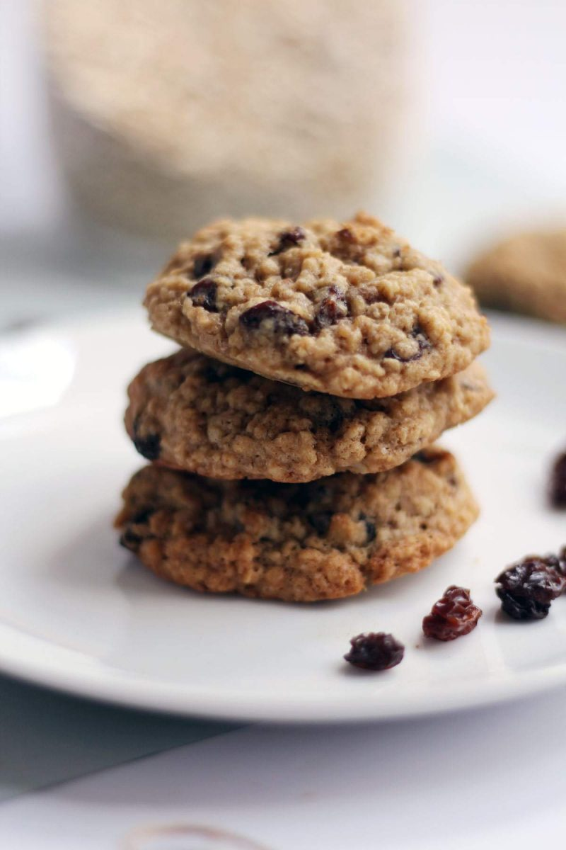 Easy Traditional Oatmeal Raisin Cookies