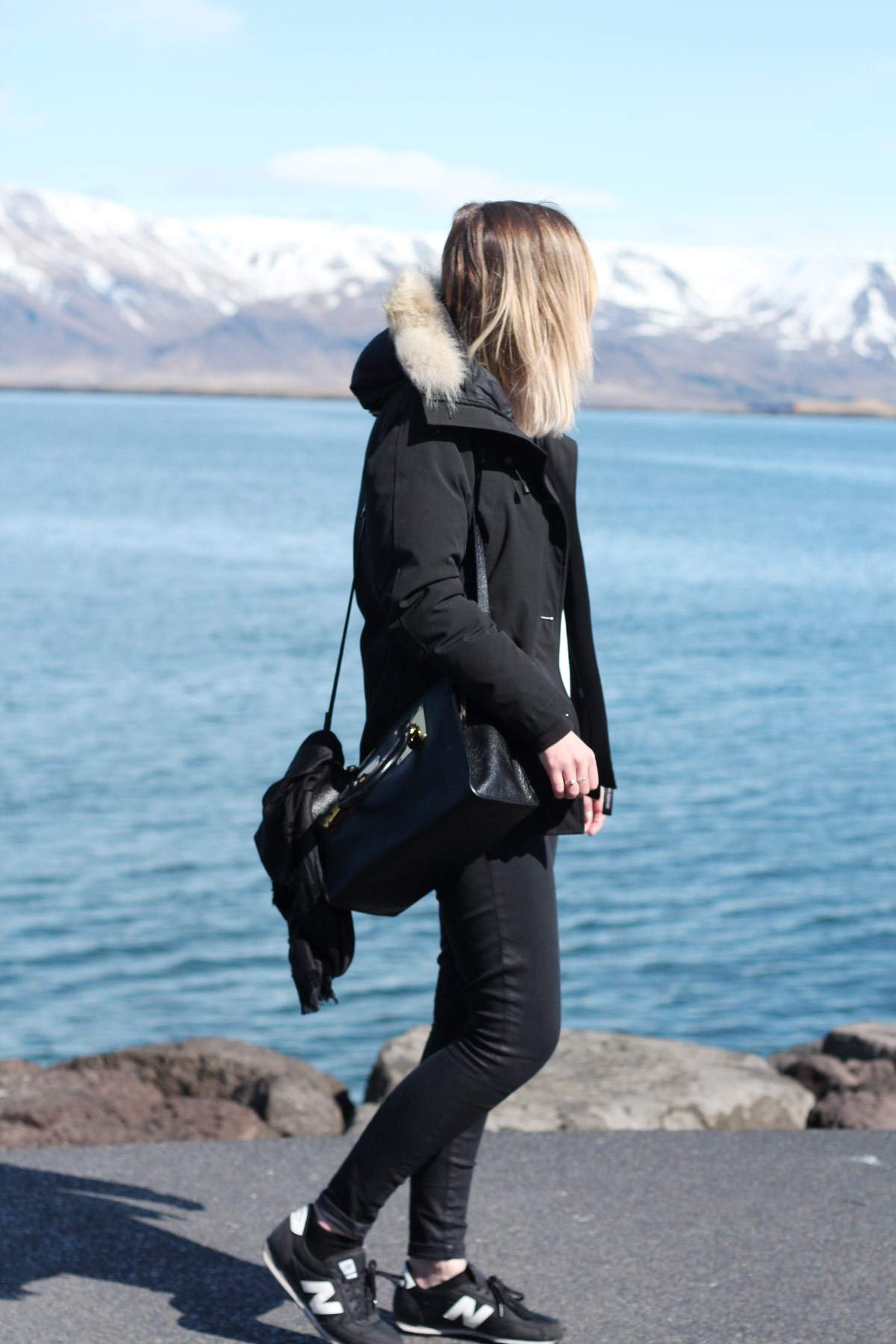 iceland-reykjavik-keflavik-review-photo-diary-travel-blog-downtown-harbour-outfit-3