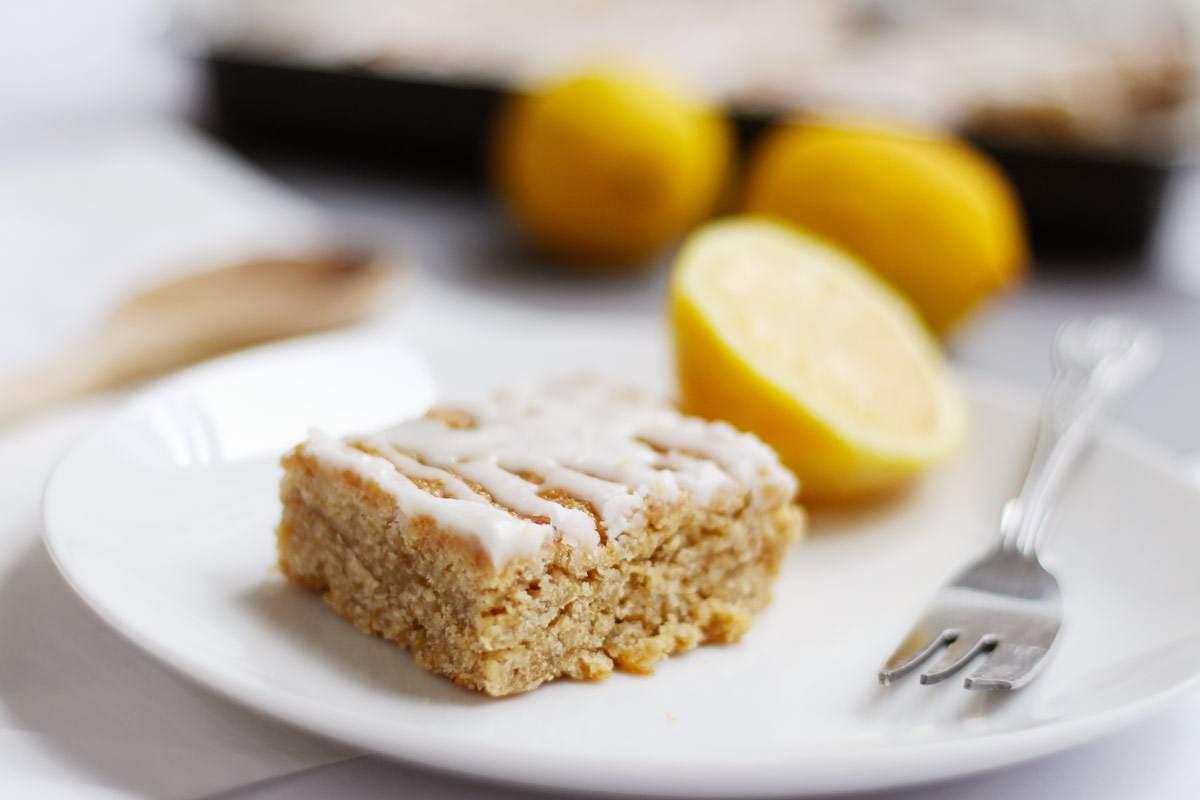 lemon-drizzle-flapjack-graze-spring-dessert-breakfast-lemon-curd-icing-1
