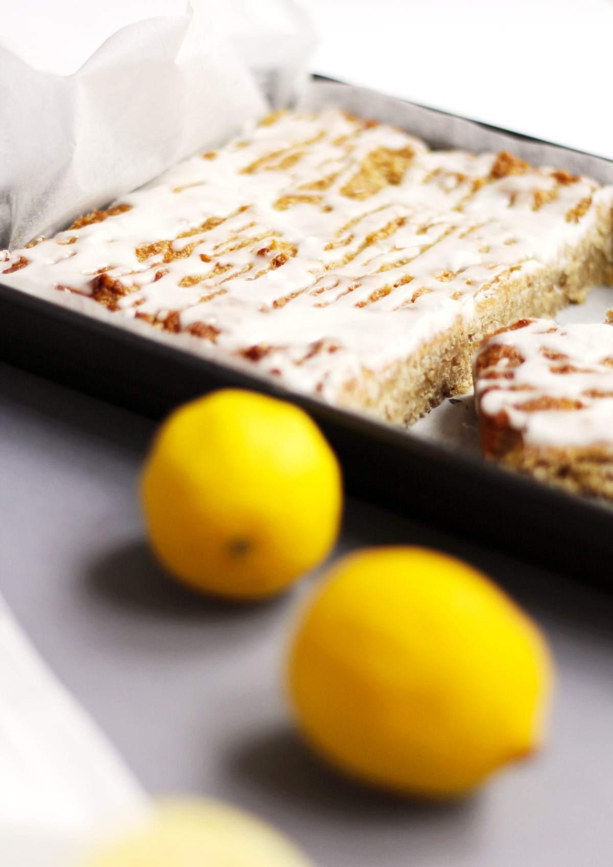 lemon-drizzle-flapjack-graze-spring-dessert-breakfast-lemon-curd-icing