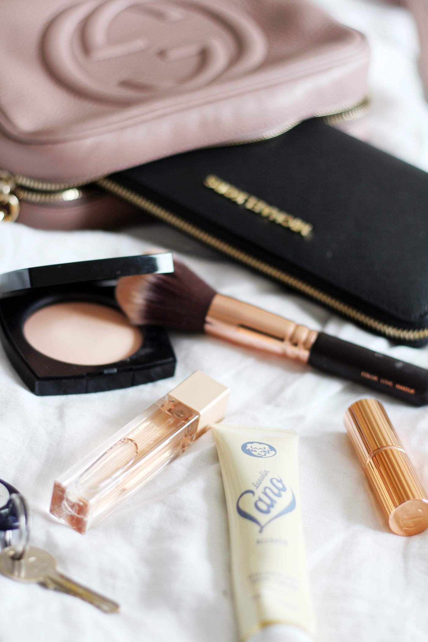 handbag-essentials-michael-kors-jetset-purse-chanel-les-beige-powder