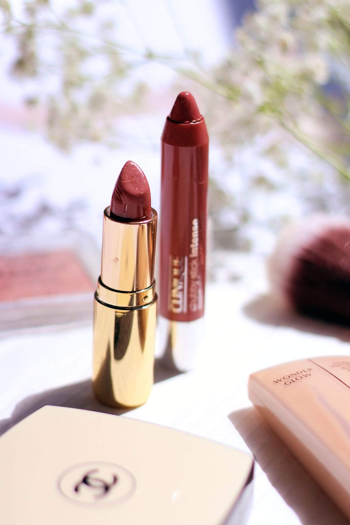pretty-makeup-H&M-lipstick-chanel-les-beige-charlotte-tilbury-wonderglow-1
