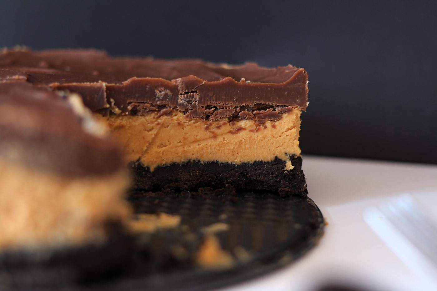peanut-butter-oreo-chocolate-pie-cake-triple-layer-dessert-1
