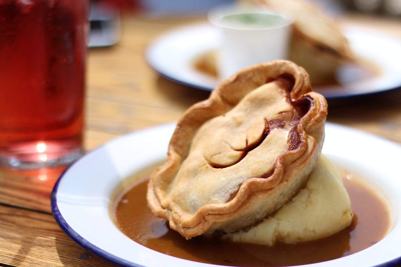 redhouse-pies-mash-gravy-review-newcastle-NE1-quayside-1