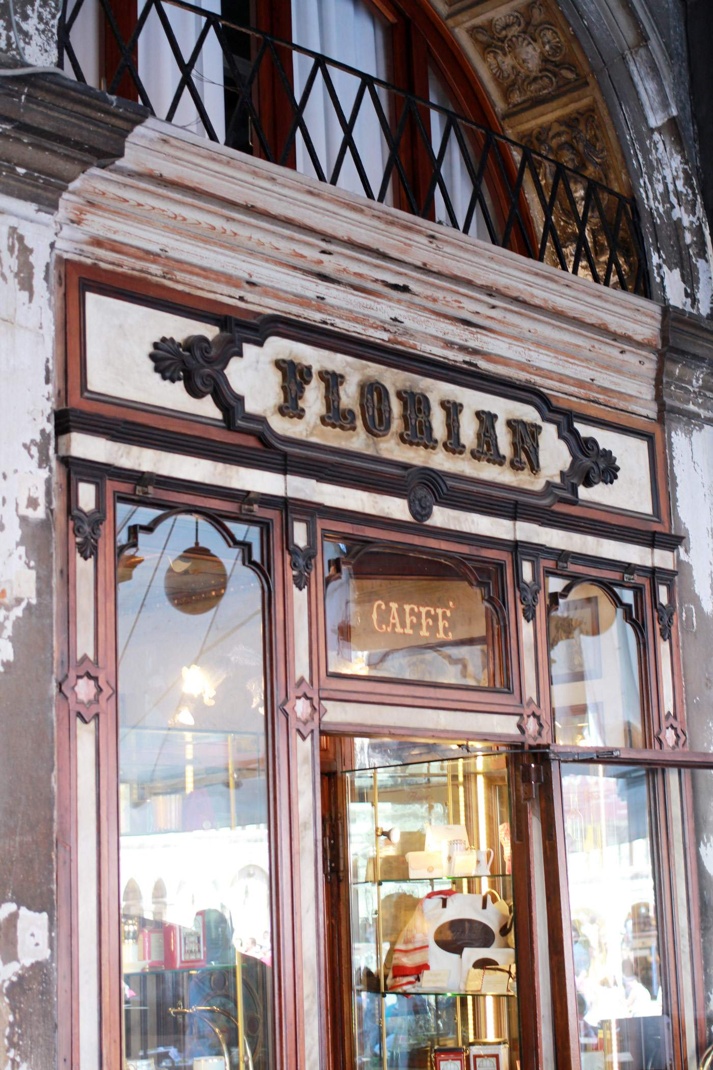 venice-italy-travel-blogger-san-marco-st-marks-square-caffe-florian-3