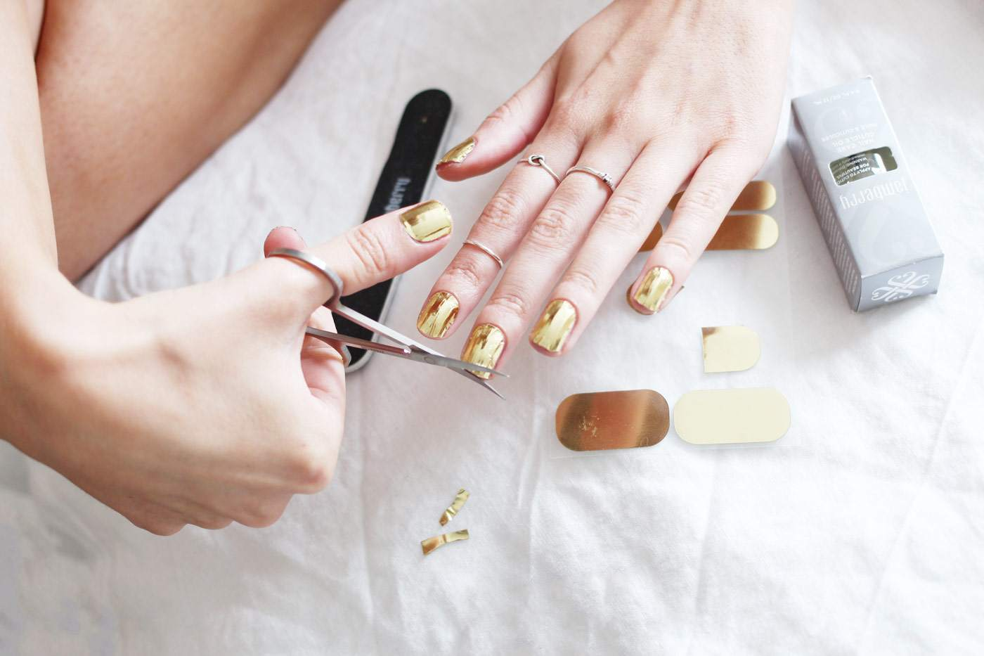 jamberry-nail-wraps-top-tips-review-metallic-gold-2