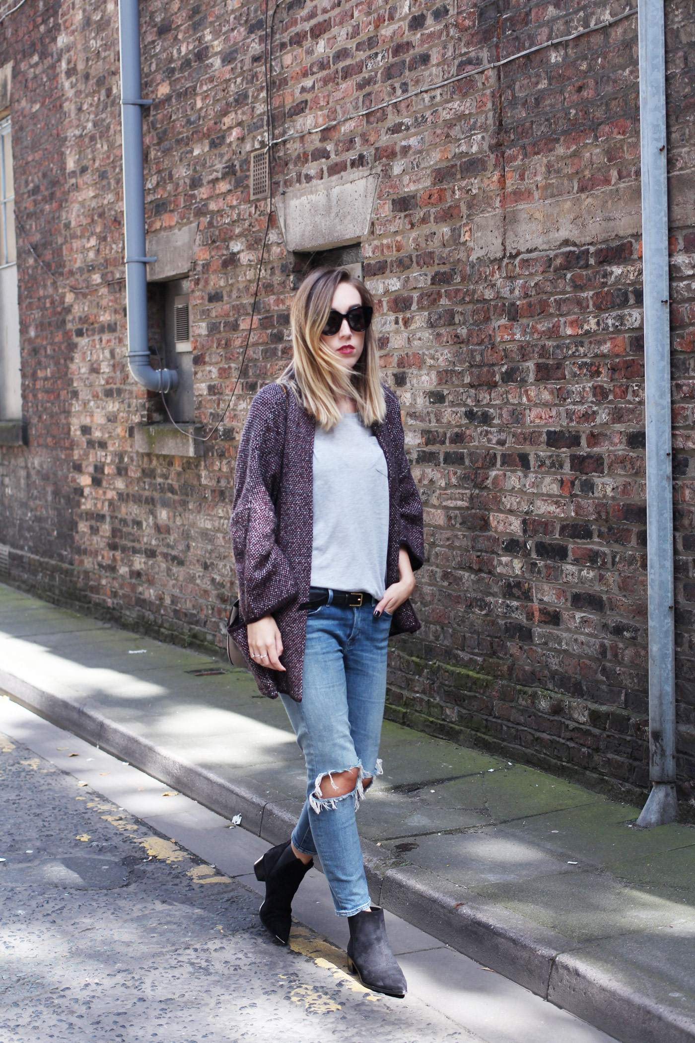 mango-cardigan-acne-jensen-boots-ripped-jeans-autumn-outfit-2