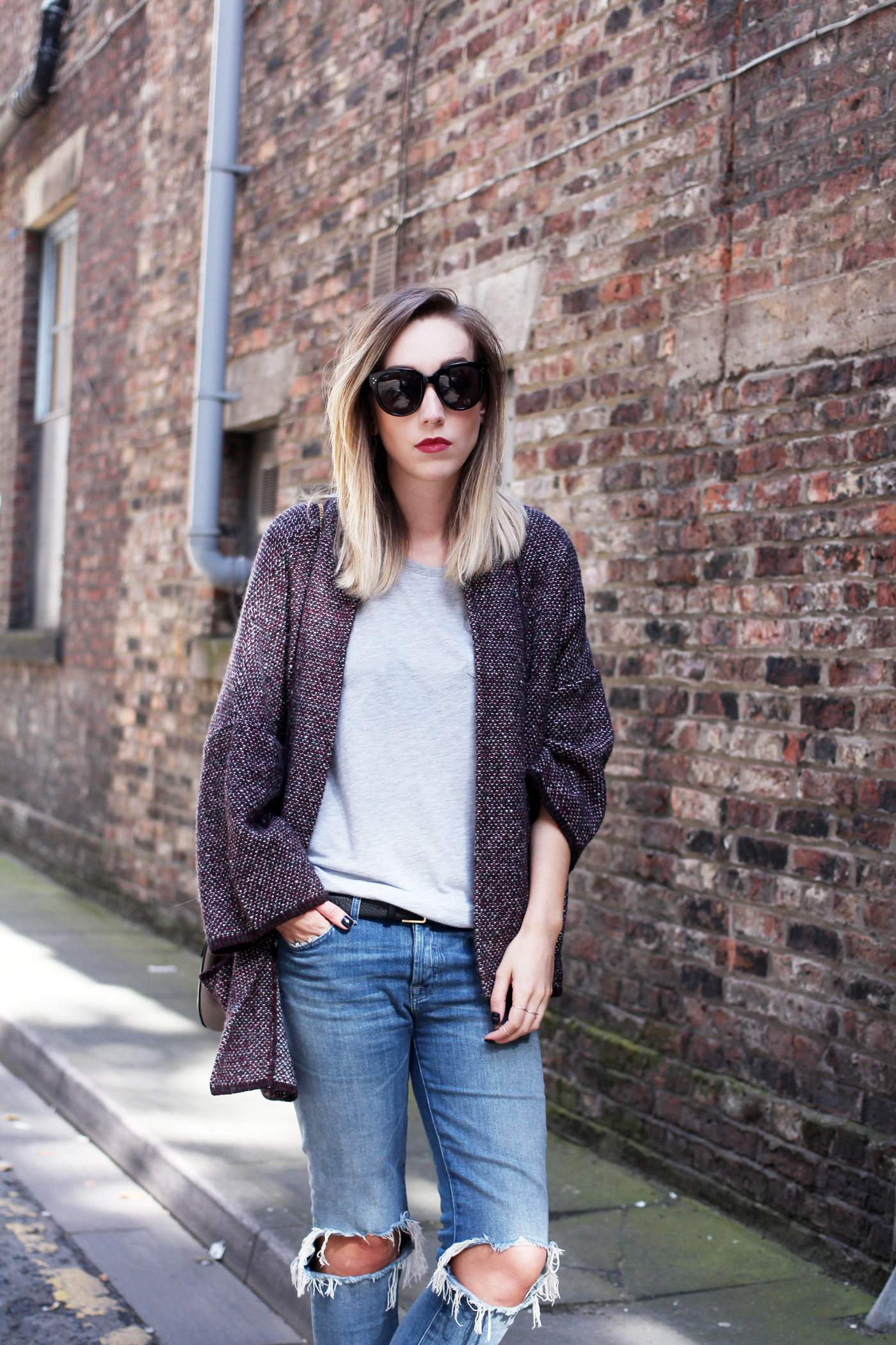 mango-cardigan-acne-jensen-boots-ripped-jeans-autumn-outfit-7