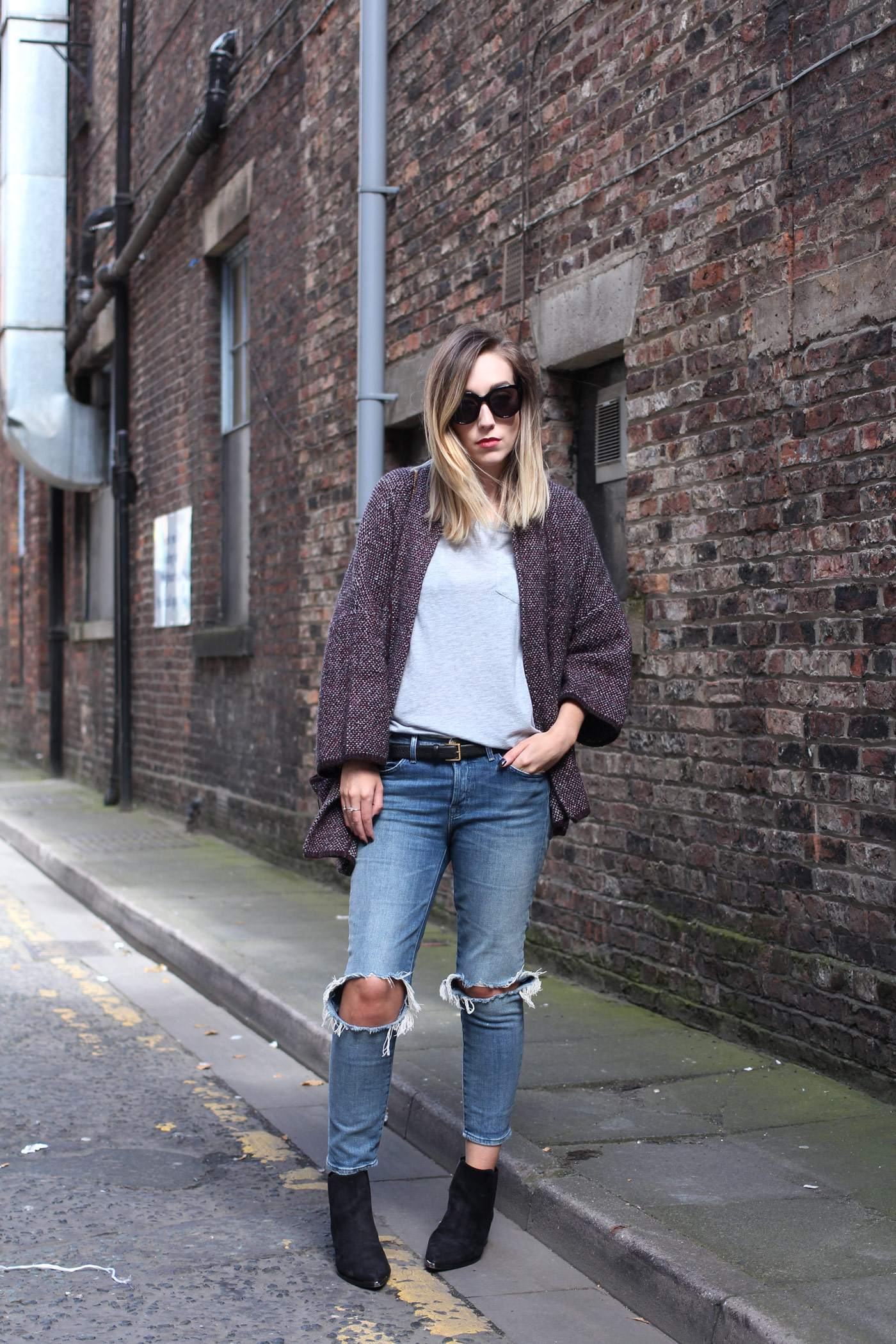 mango-cardigan-acne-jensen-boots-ripped-jeans-autumn-outfit