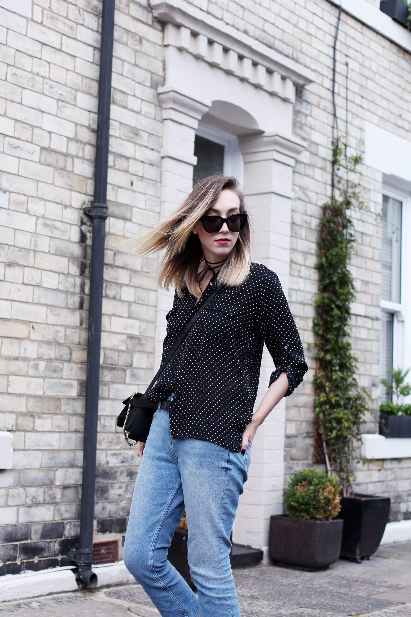 polkadot-shirt-mom-jeans-gucci-loafers-chloe-faye-bag-4