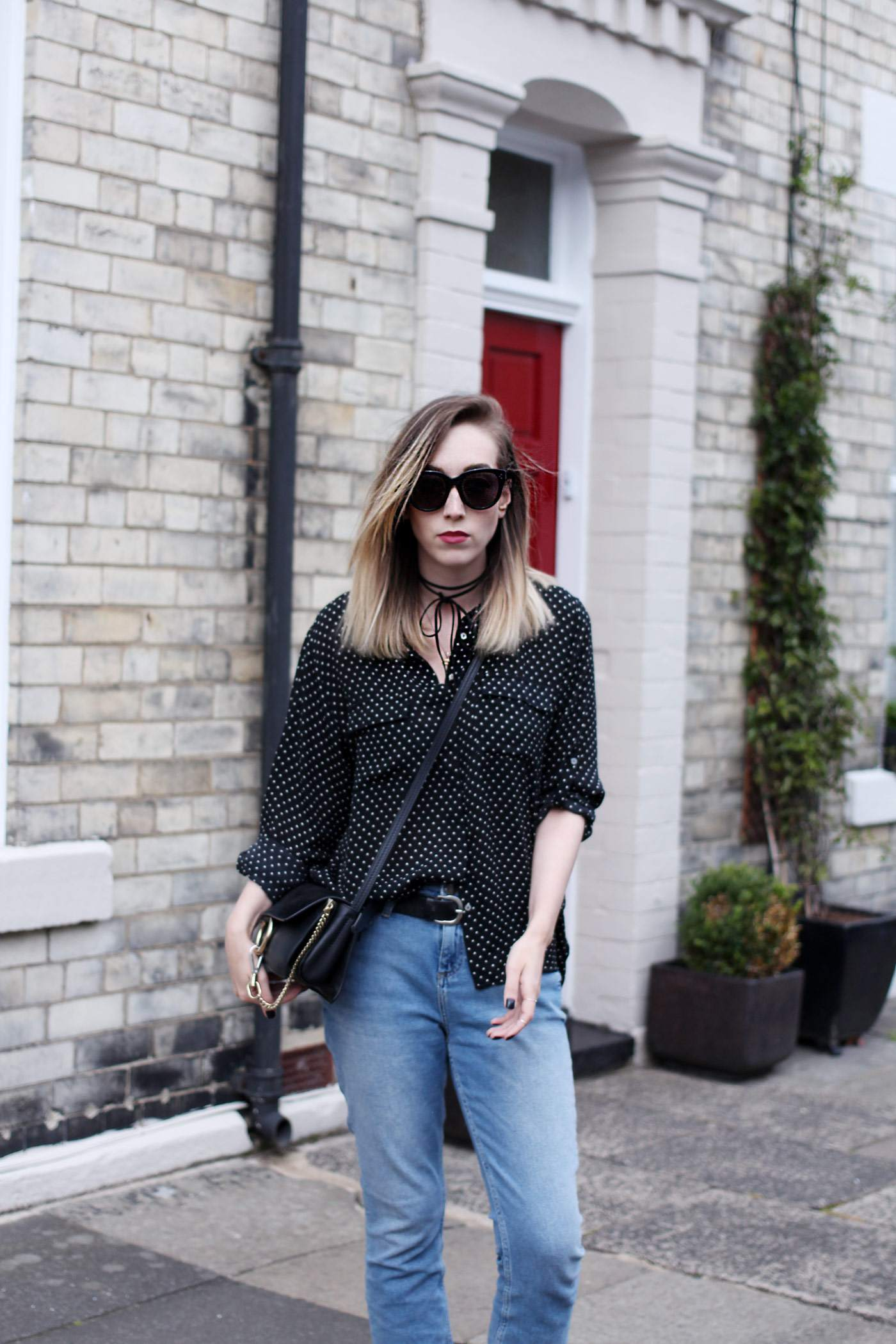 polkadot-shirt-mom-jeans-gucci-loafers-chloe-faye-bag-7