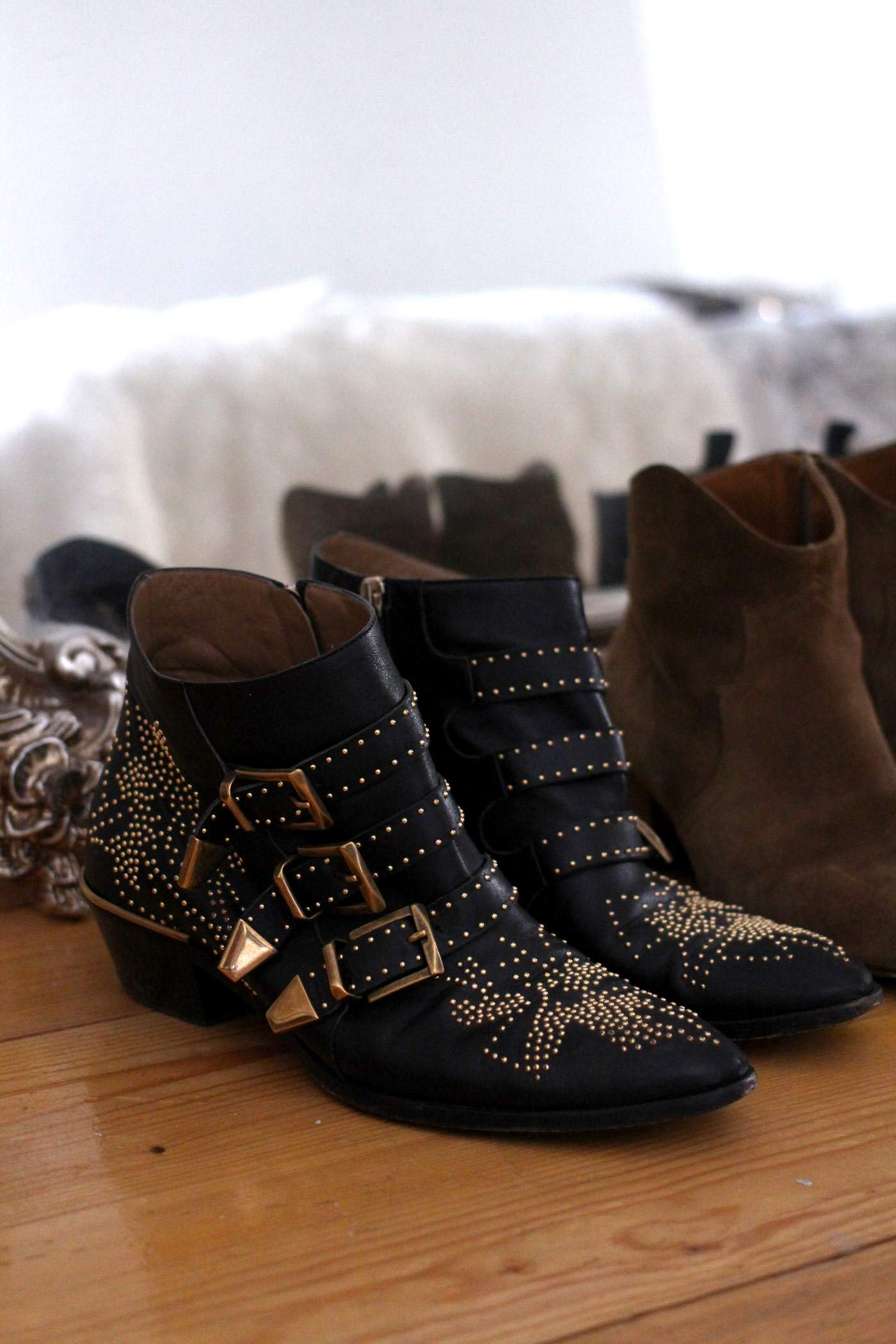 autumn-boots-chloe-susanna-studded-isabel-marant-dicker-acne-jensen-suede