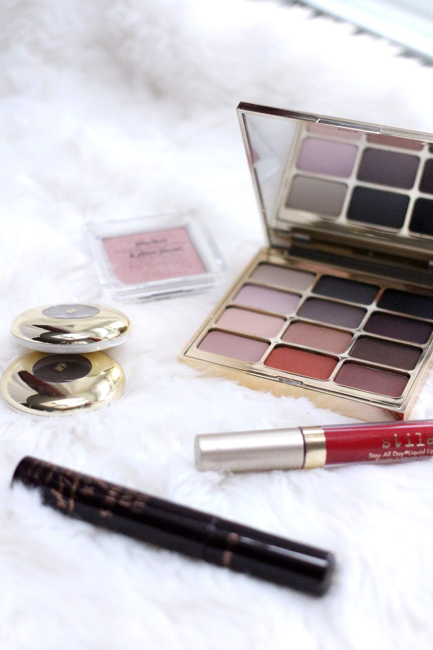beauty-favourites-october-stila-hm-charlotte-tilbury-mascara