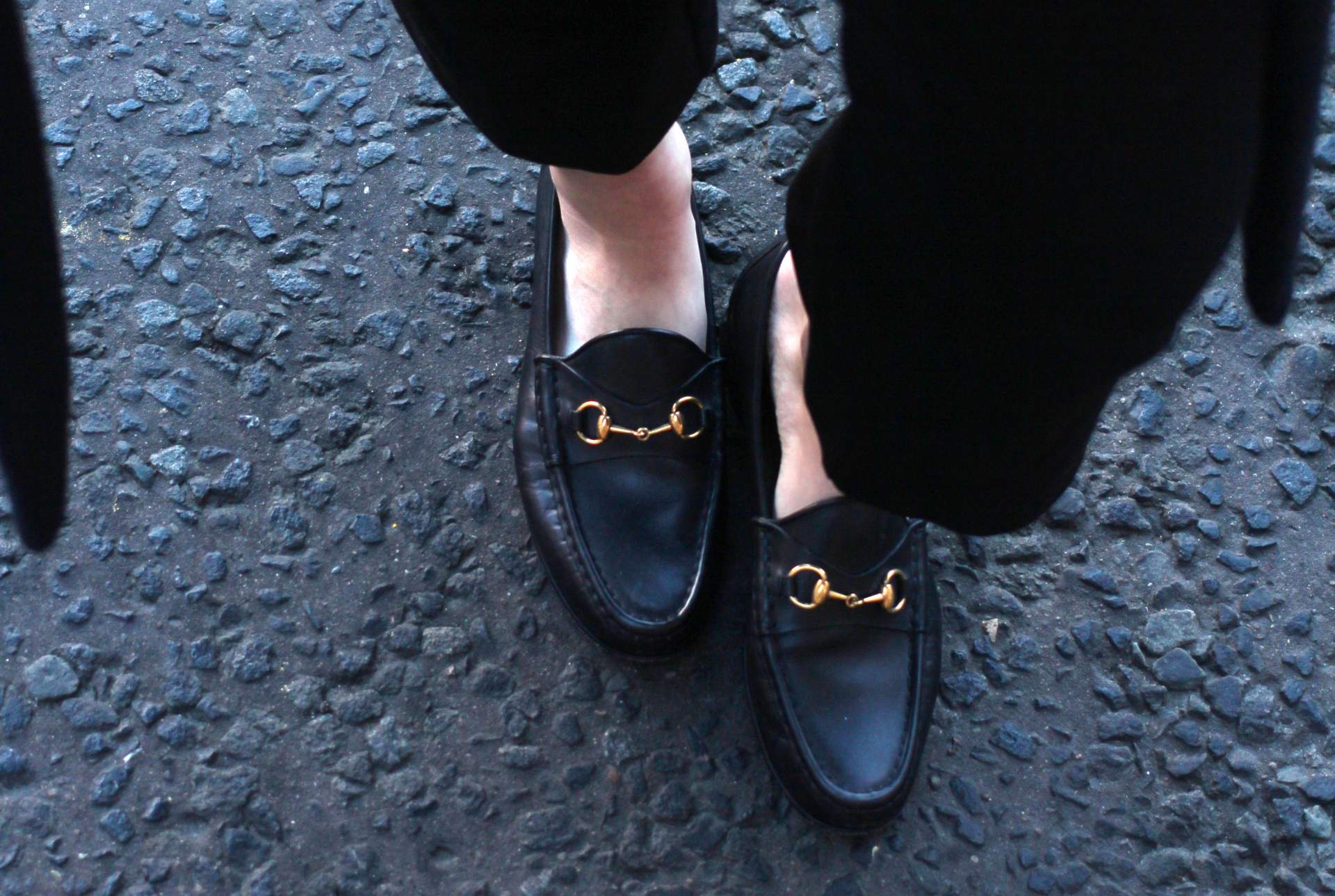 all-black-winter-look-nobodys-child-button-up-cami-gucci-loafers-chloe-faye-9