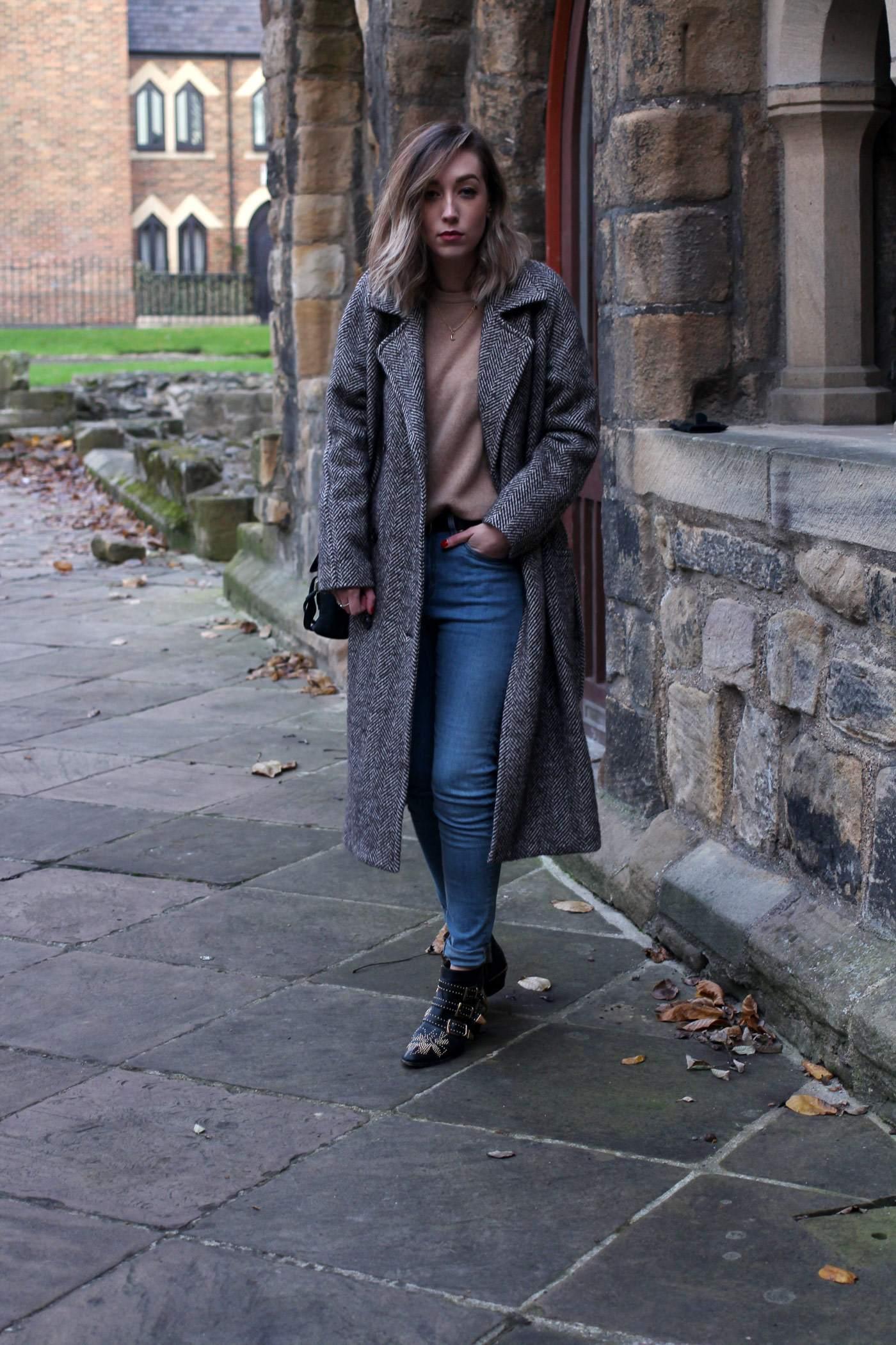 weekday-high-waist-jeans-chloe-susanna-boots-chloe-coat-1