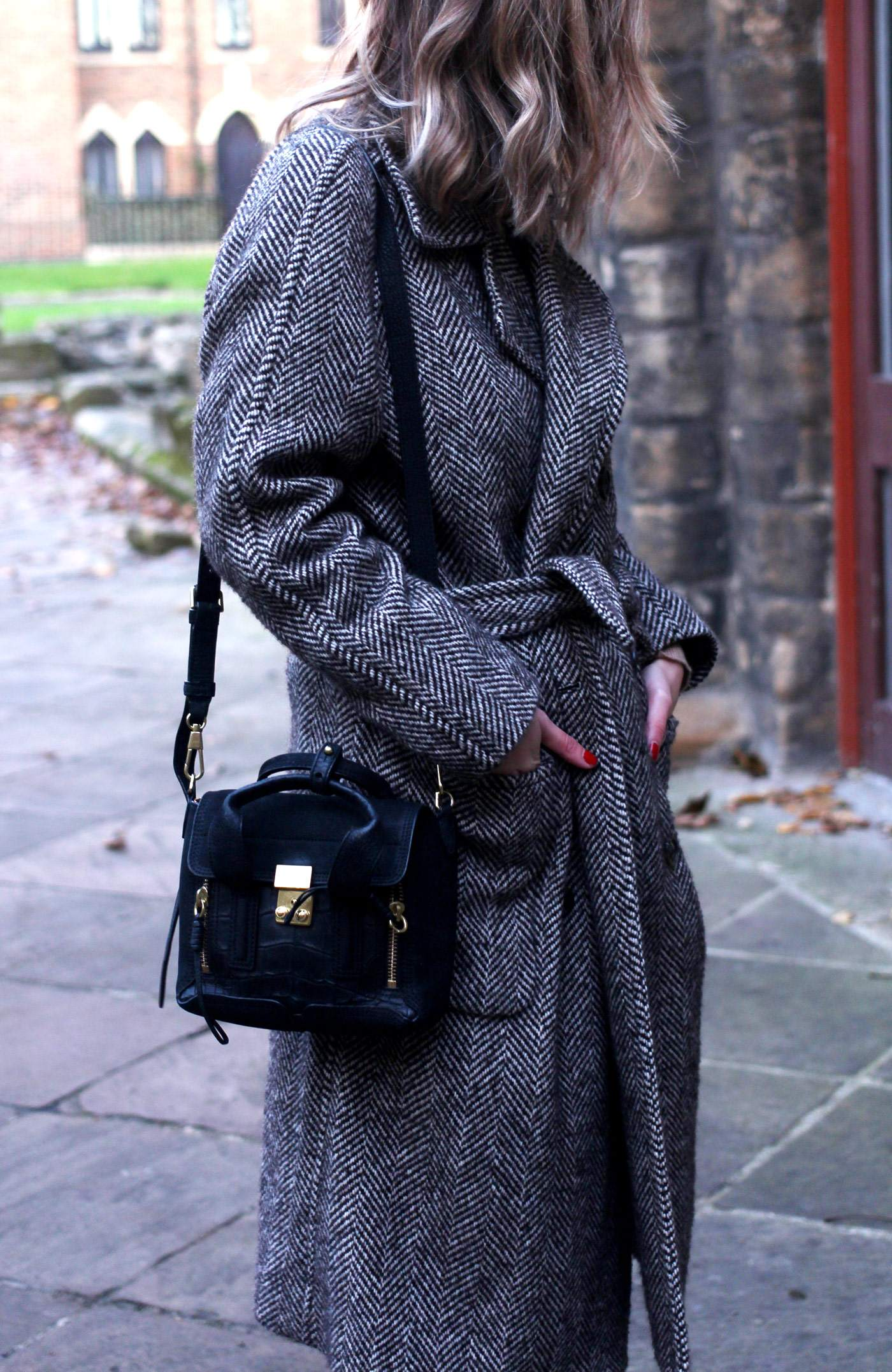 weekday-high-waist-jeans-chloe-susanna-boots-chloe-coat-10