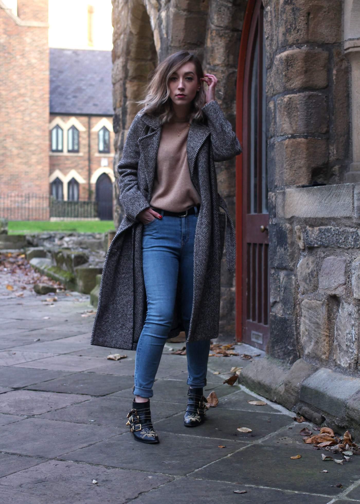 weekday-high-waist-jeans-chloe-susanna-boots-chloe-coat-5