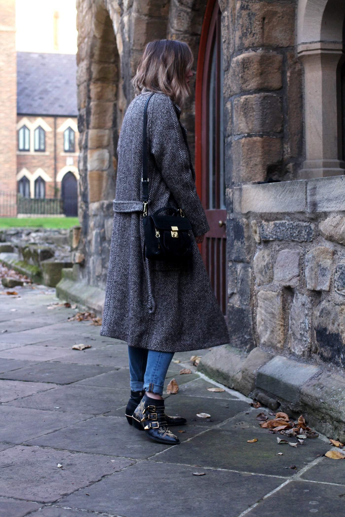weekday-high-waist-jeans-chloe-susanna-boots-chloe-coat-6