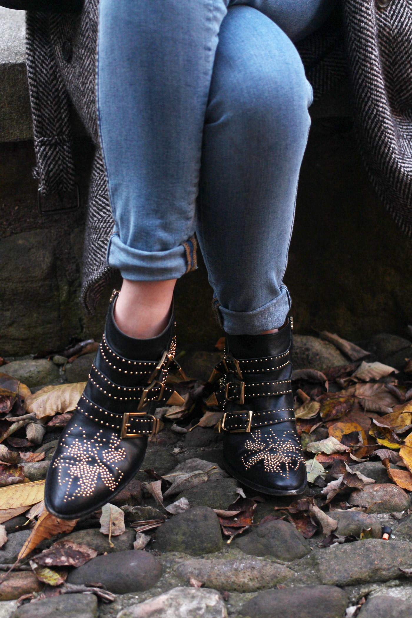 weekday-high-waist-jeans-chloe-susanna-boots-chloe-coat-9