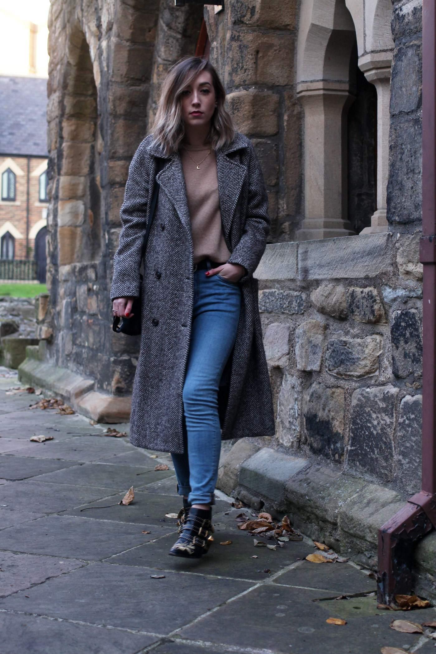 weekday-high-waist-jeans-chloe-susanna-boots-chloe-coat