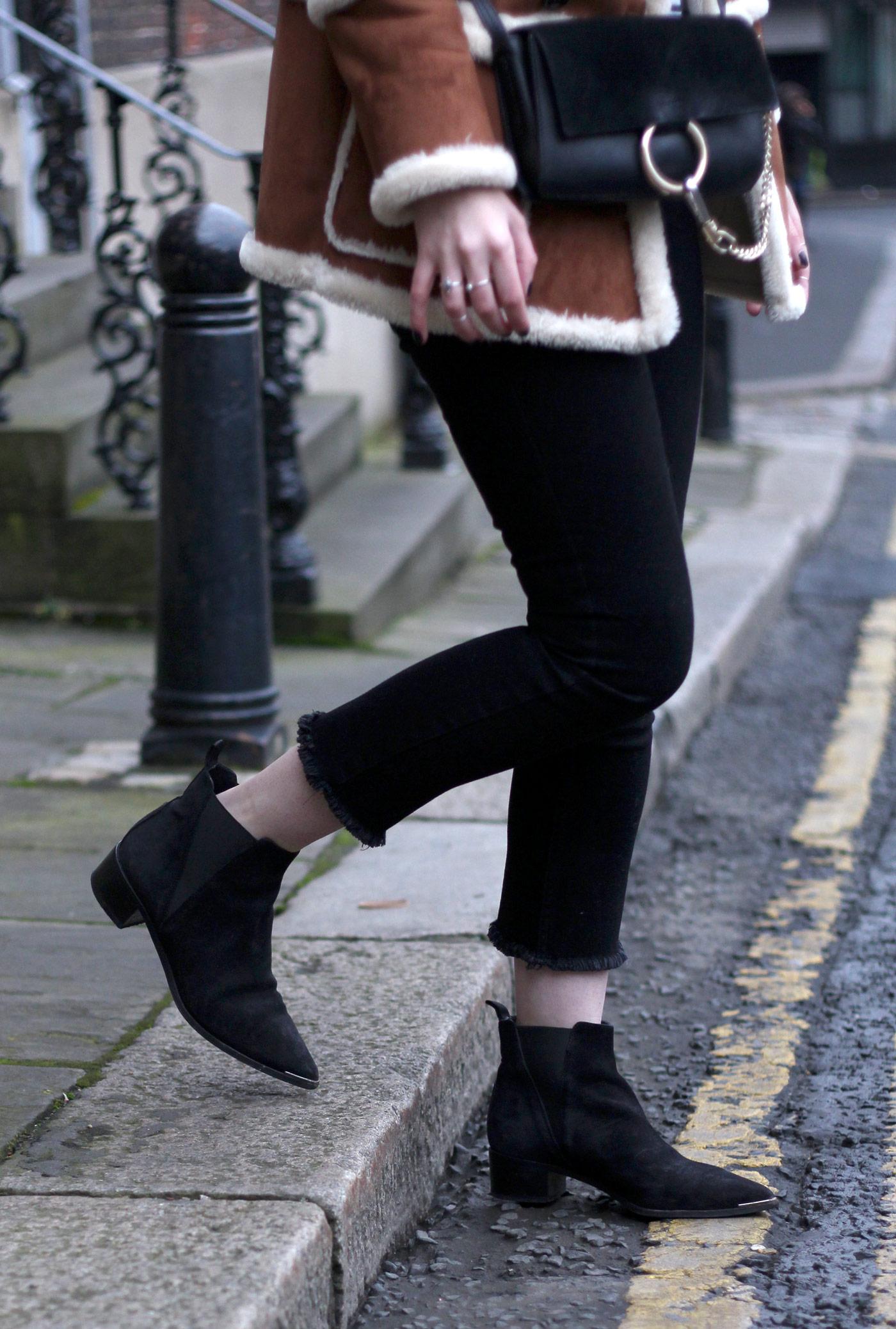 topshop-sheepskin-vintage-coat-chloe-faye-black-acne-jensen-suede11
