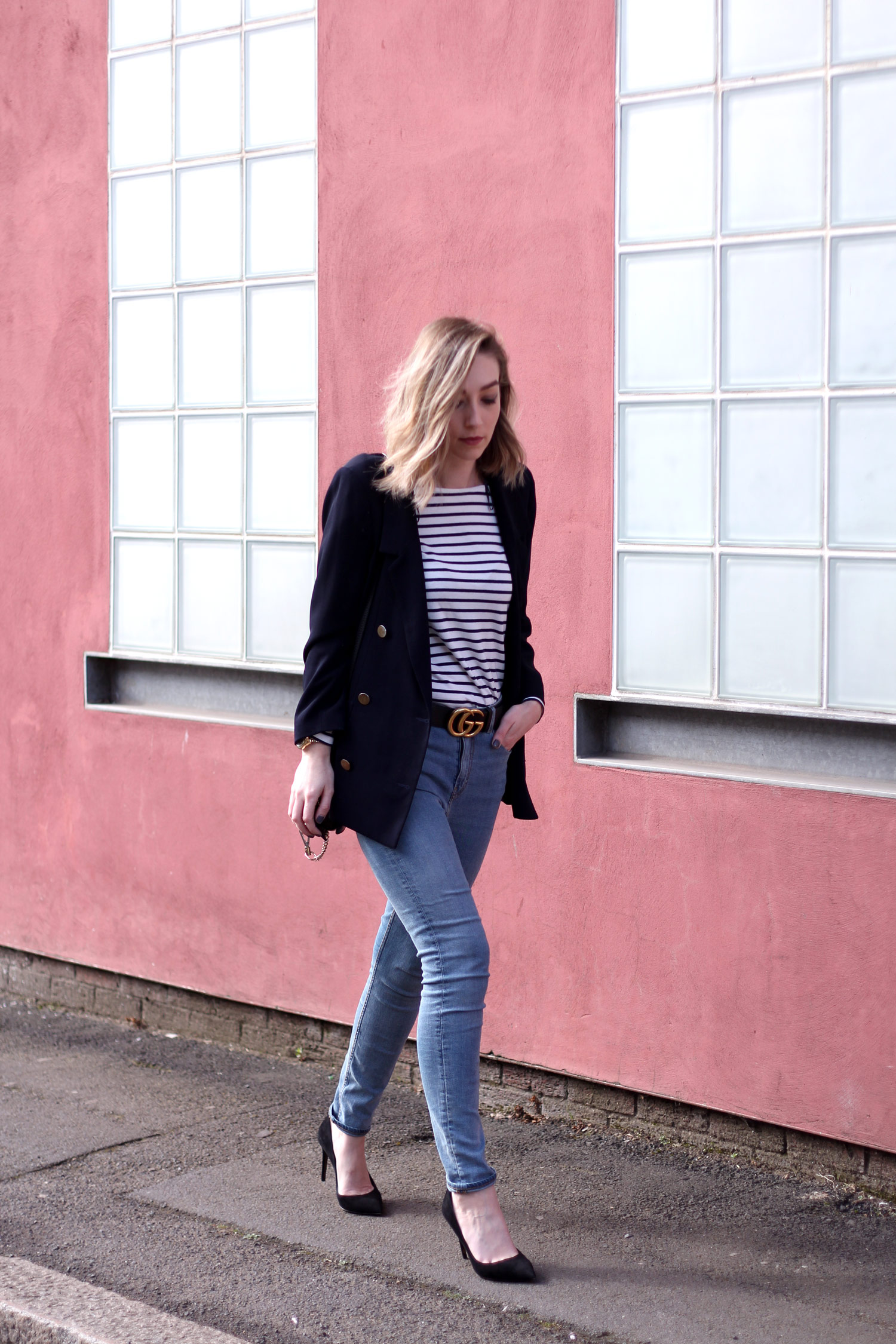 farfetch-dolce-gabbana-black-suede-heels-weekday-jeans-chloe-faye-black-5