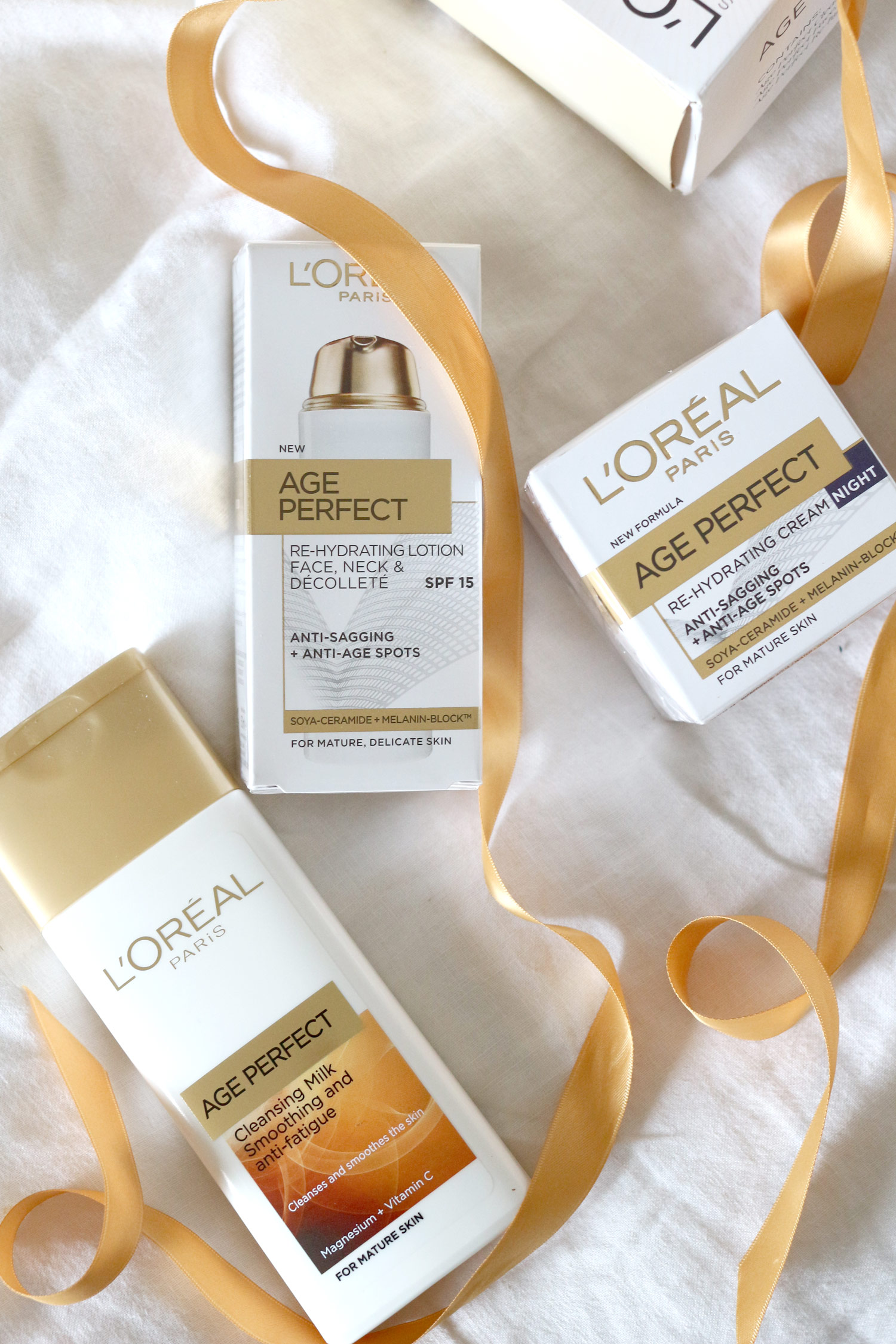 loreal-age-perfect-mothers-day-skincare-gift-set-1