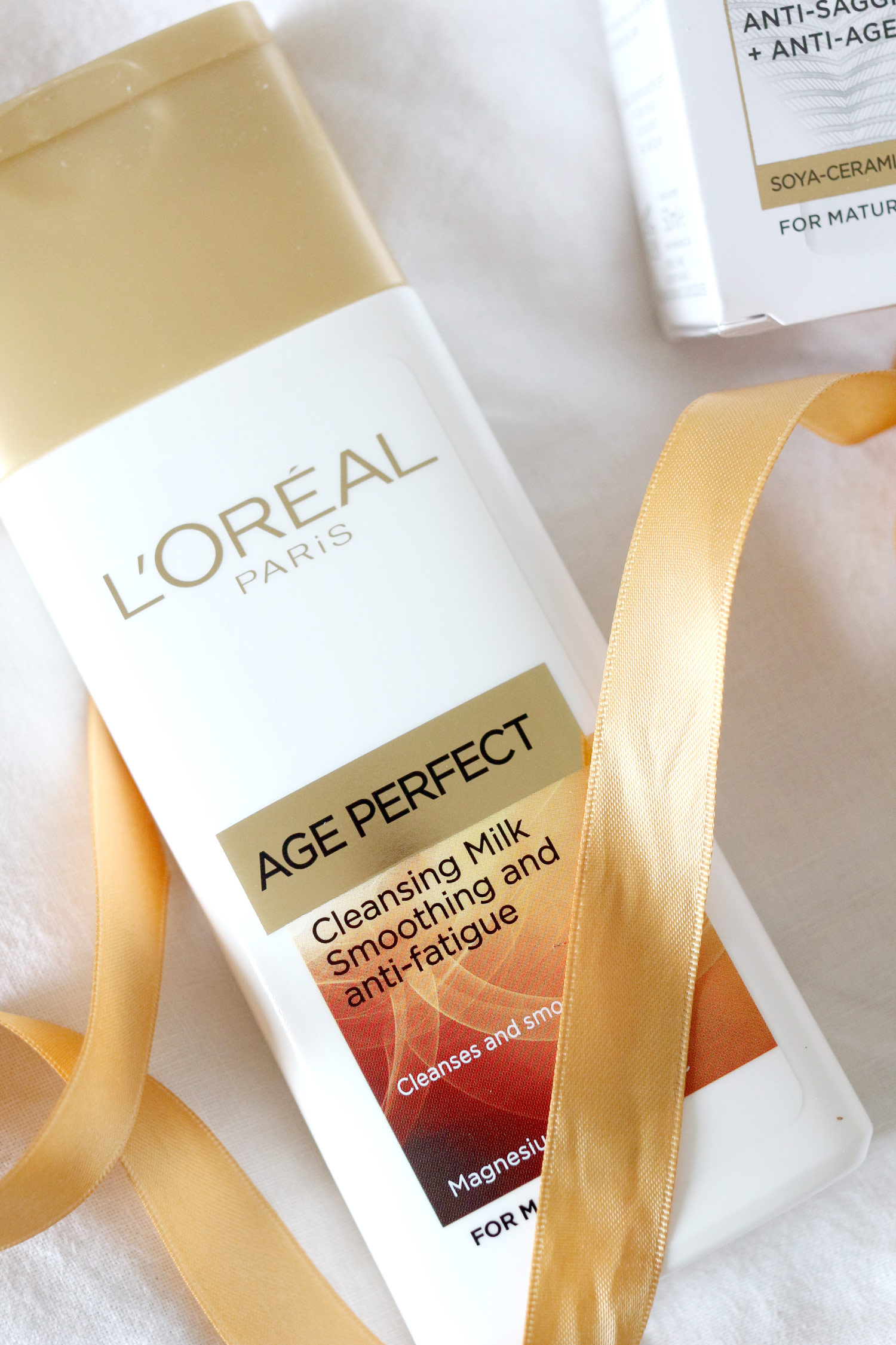 loreal-age-perfect-mothers-day-skincare-gift-set-4