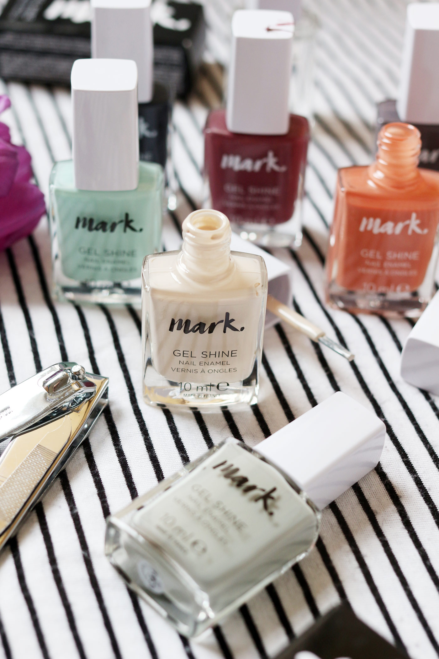 mark-nail-polish-avon-new-brand-nails-review-1