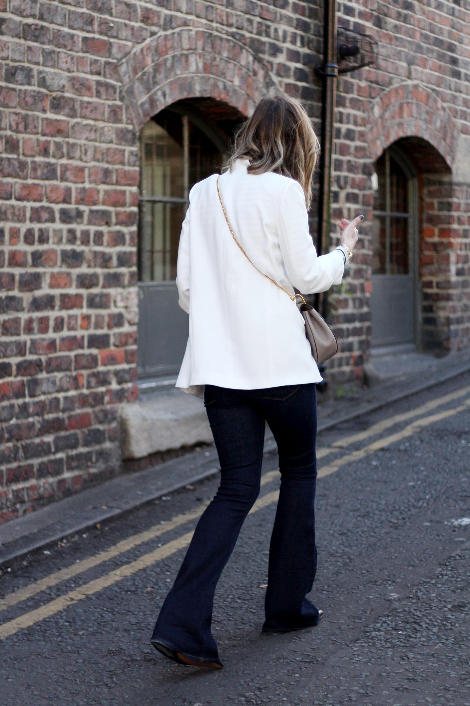 paige-denim-flares-stripe-breton-white-blazer-chloe-drew-grey-4