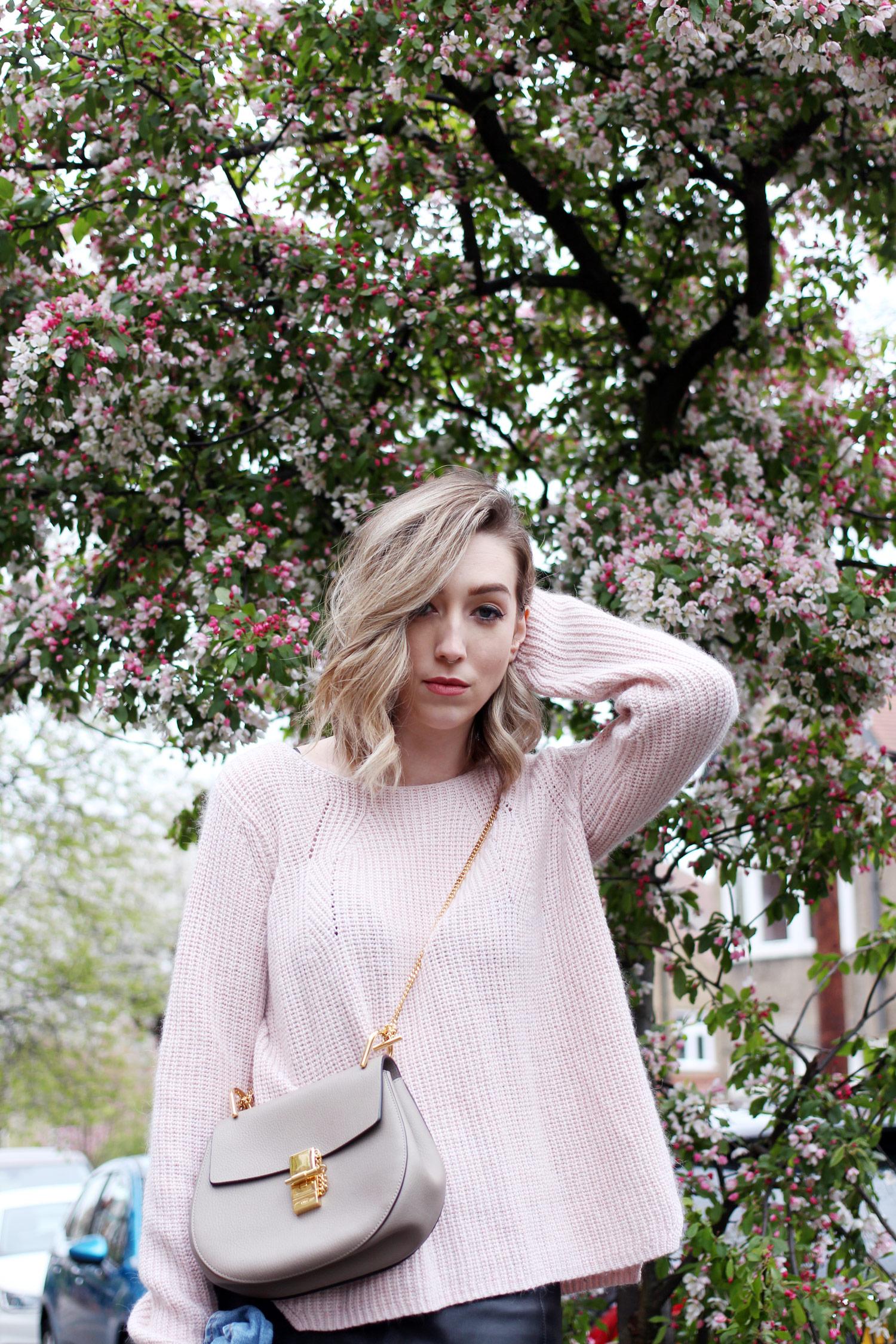 spring-denim-jacket-pink-jumper-leather-skirt-10
