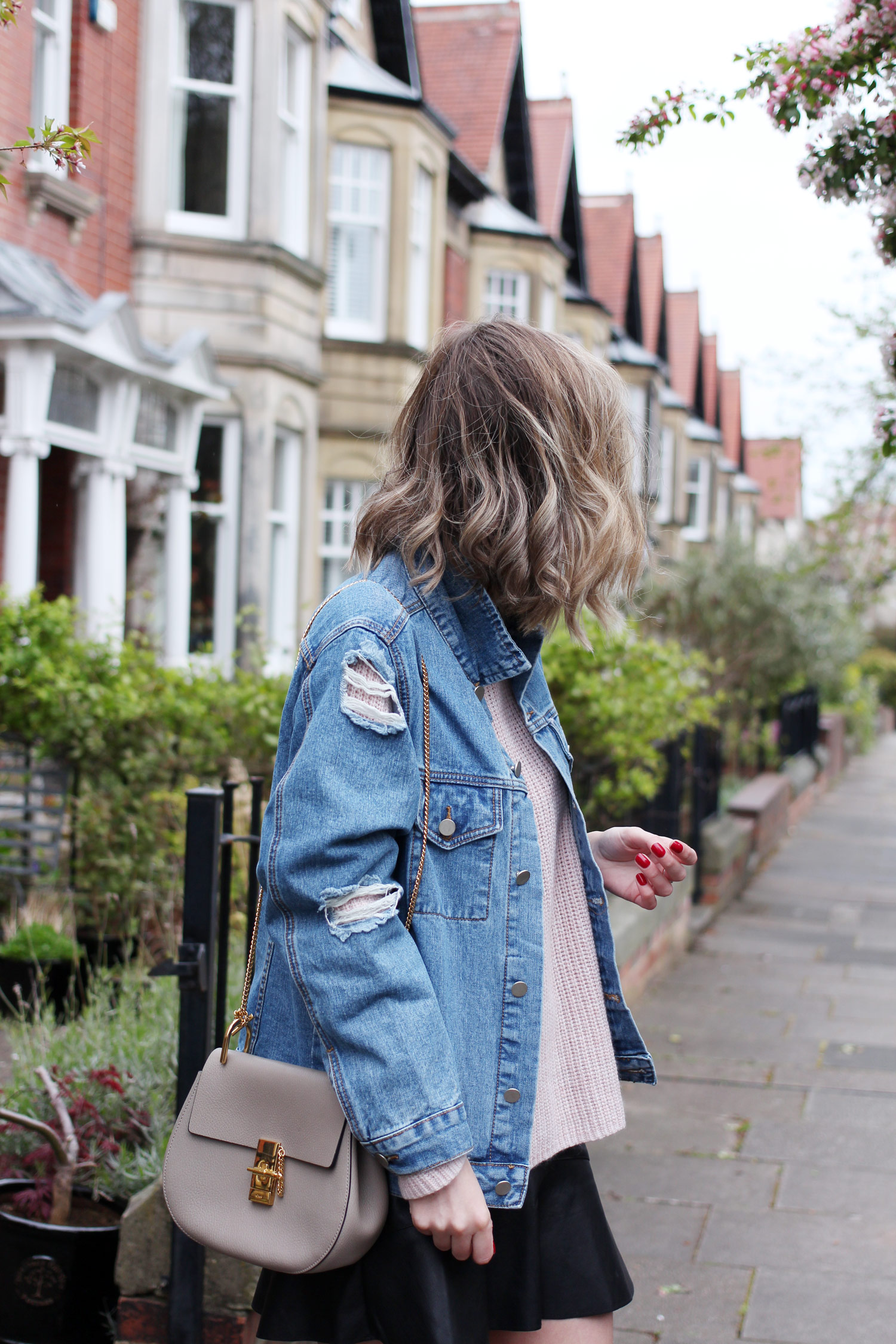 spring-denim-jacket-pink-jumper-leather-skirt-7