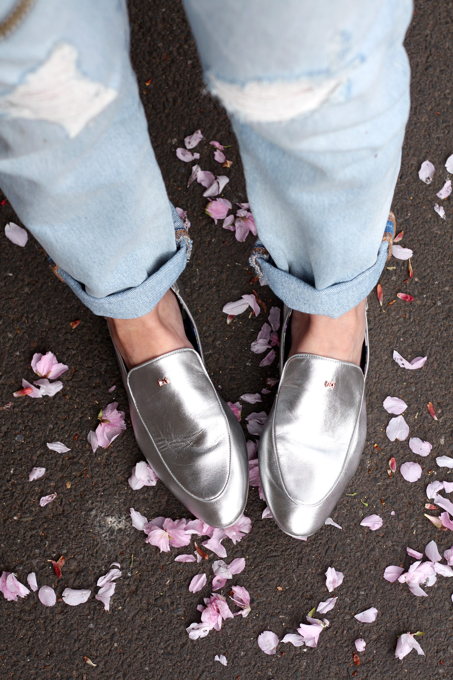 ted-baker-silver-loafers-leather-jacket-boyfriend-levi-stripe-top-9