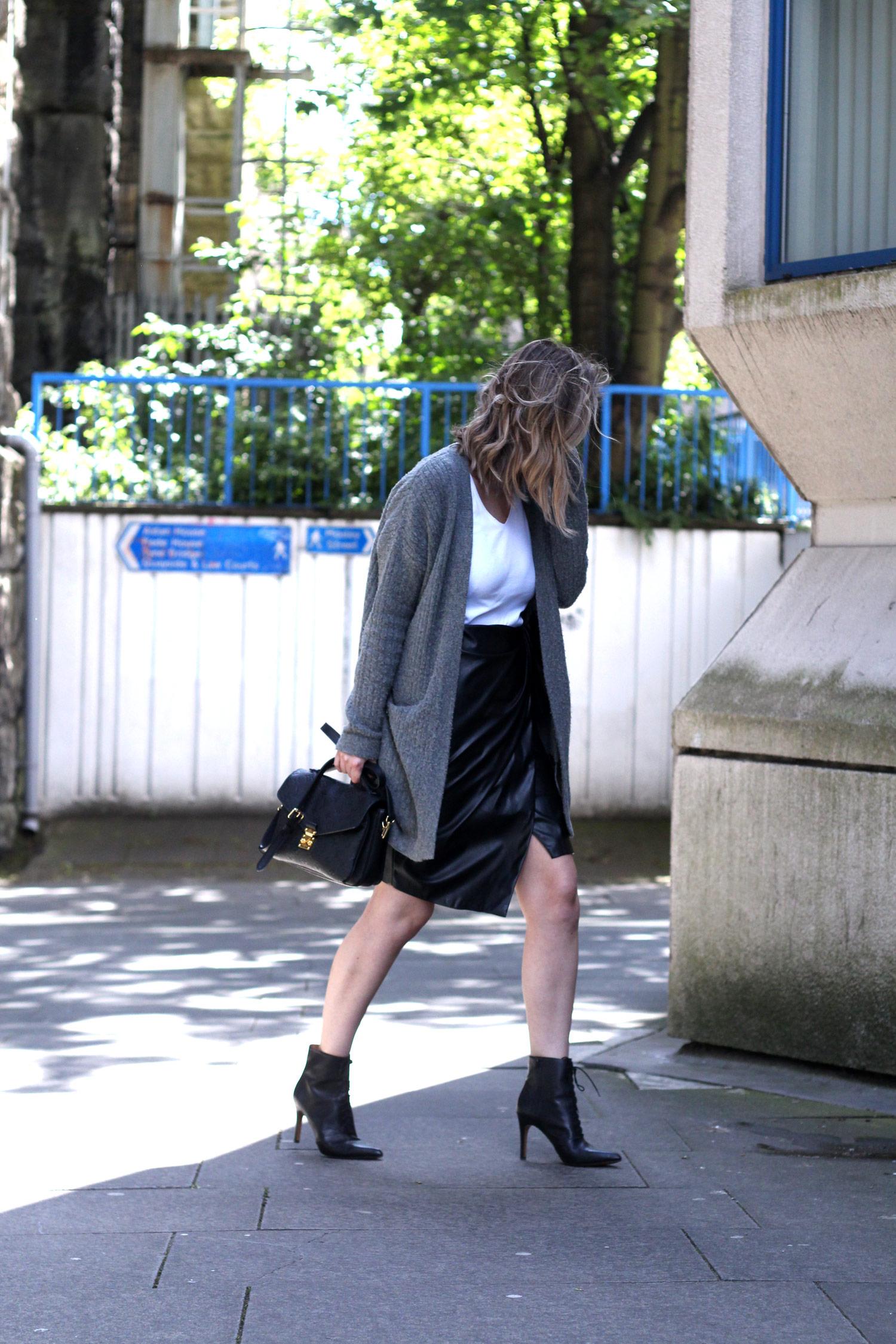 closet-london-leather-skirt-grey-cardgain-louis-vuitton-pochette-metis-1
