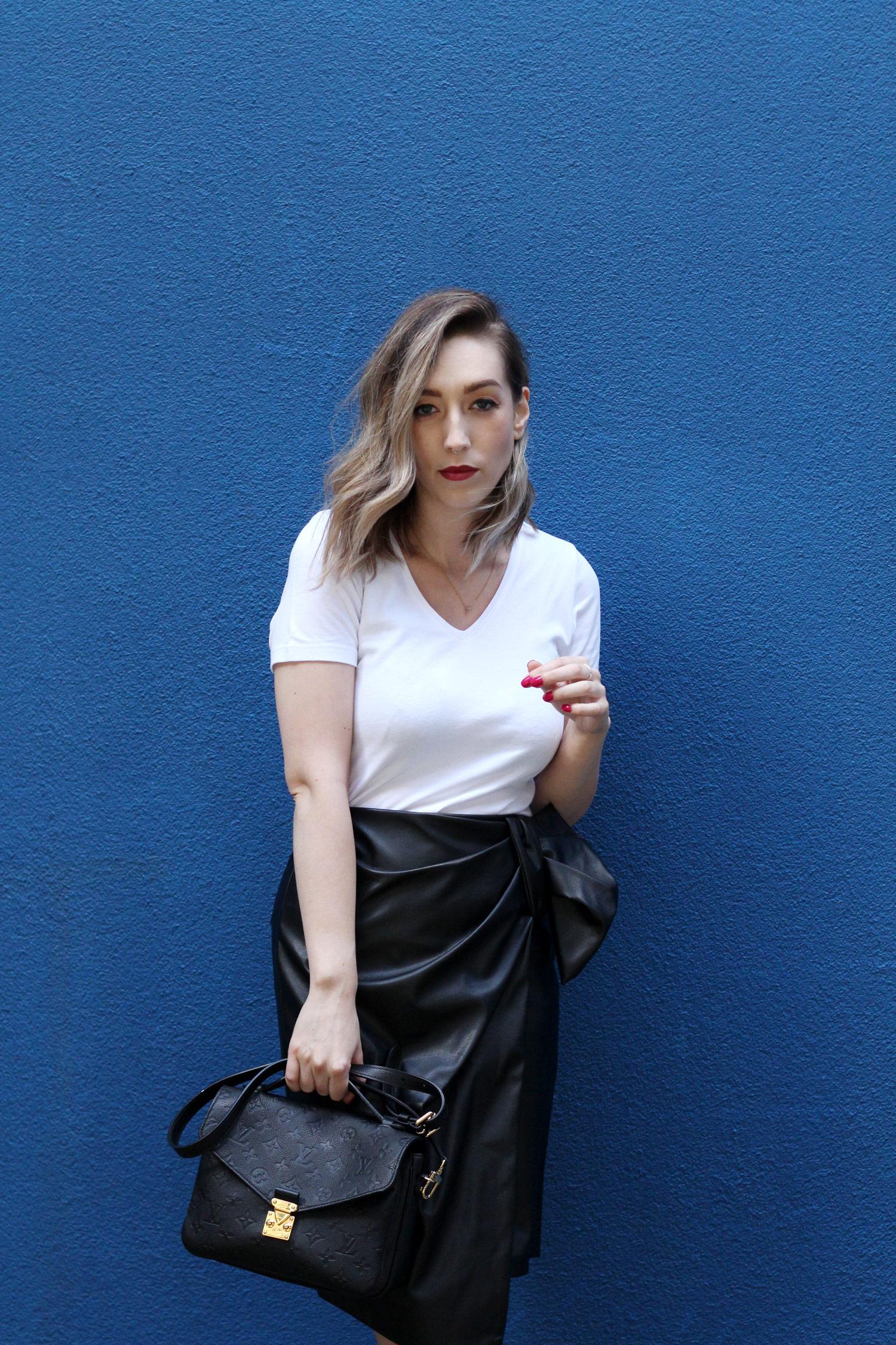 closet-london-leather-skirt-grey-cardgain-louis-vuitton-pochette-metis-10