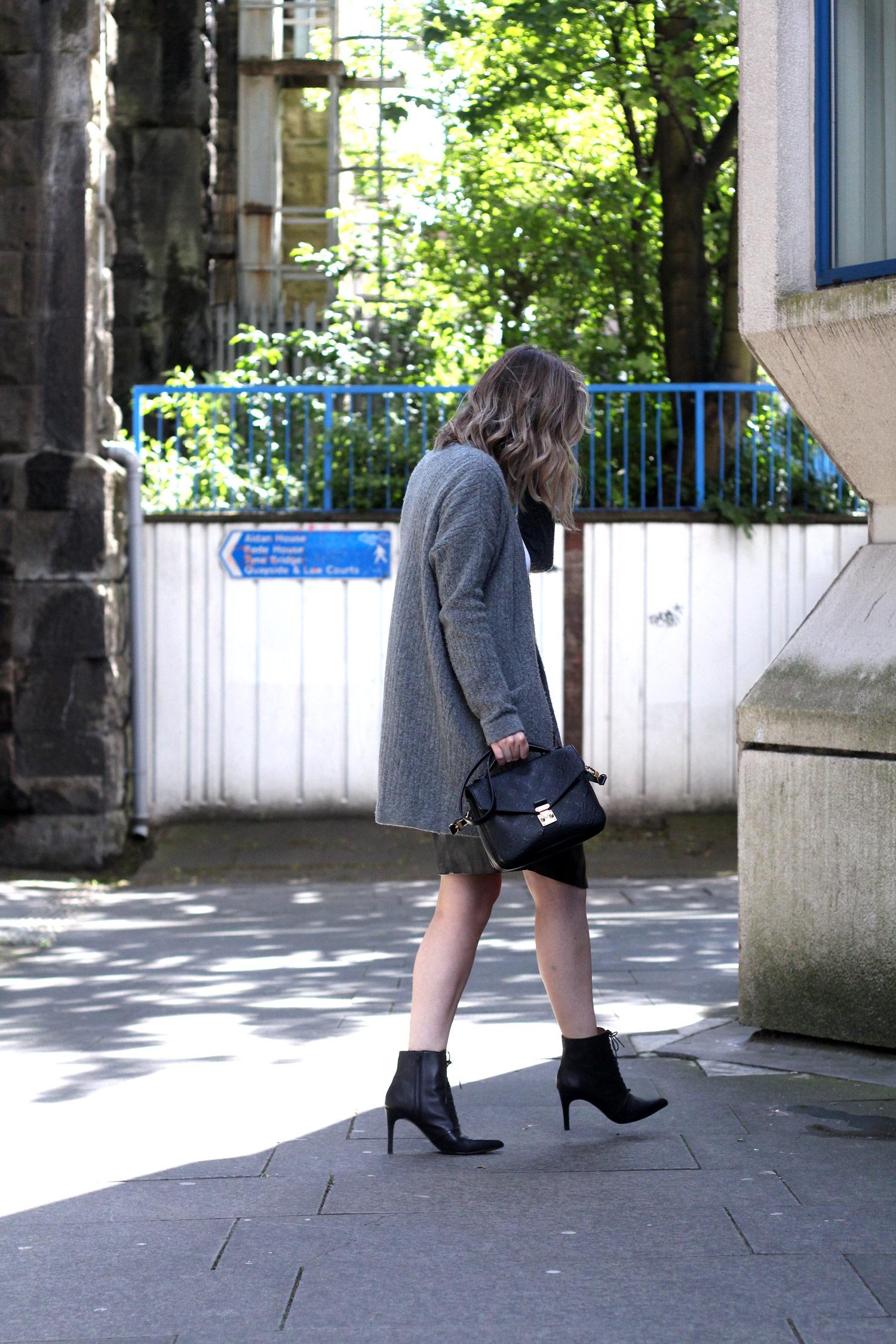 closet-london-leather-skirt-grey-cardgain-louis-vuitton-pochette-metis-4