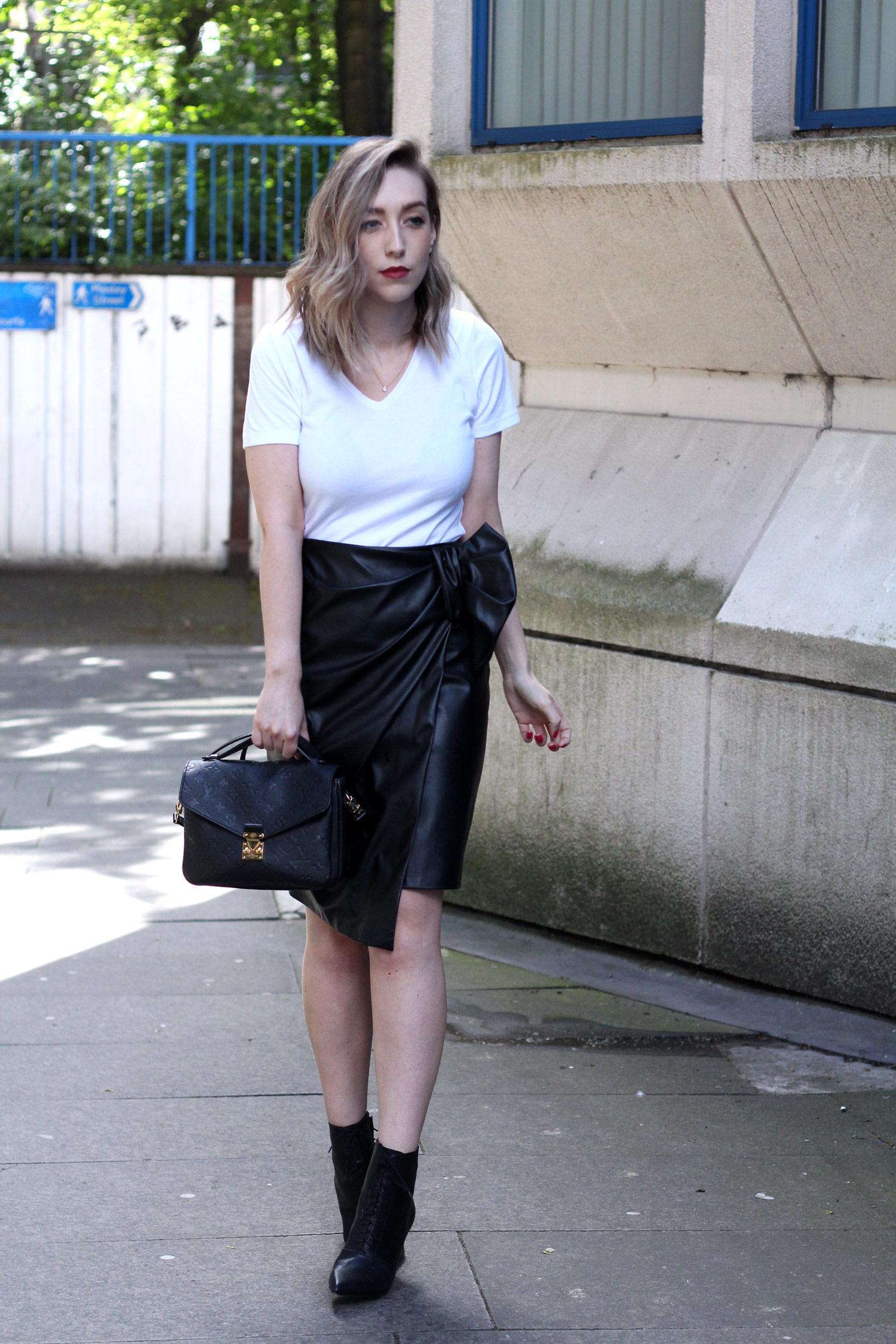 closet-london-leather-skirt-grey-cardgain-louis-vuitton-pochette-metis-8