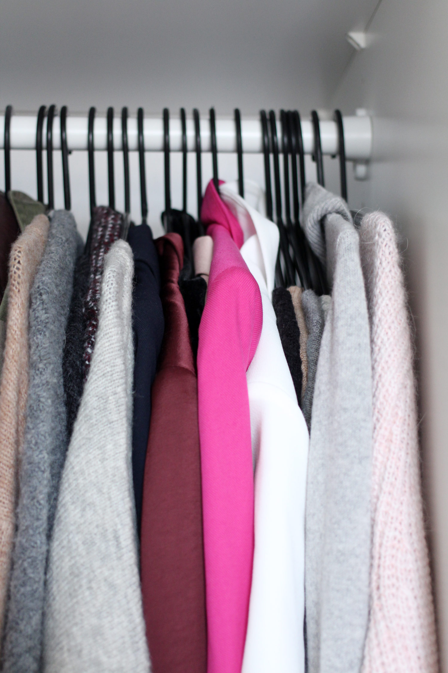 finding-the-perfect-wardrobe-planning-minimal-tips-2
