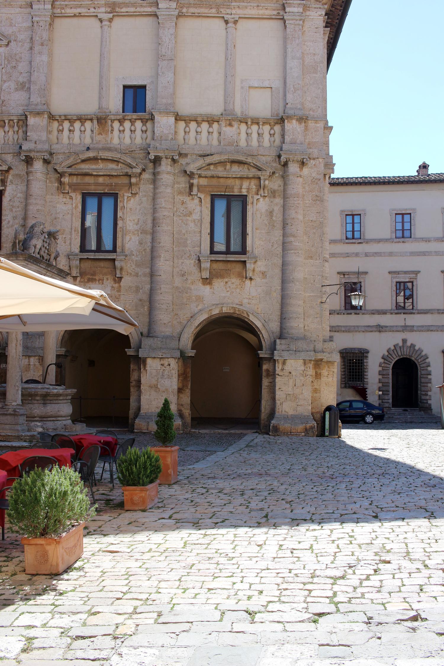 tuscany-italy-montepulciano-travel-blogger