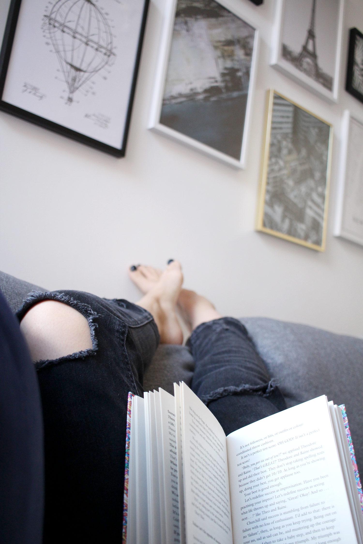 desenio-art-print-livingroom-interiors-blogger-discount-code-19